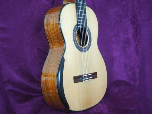 Guitare classique luthier Robin Moyes WWW.GUITARE-CLASSIQUE-CONCERT.FR