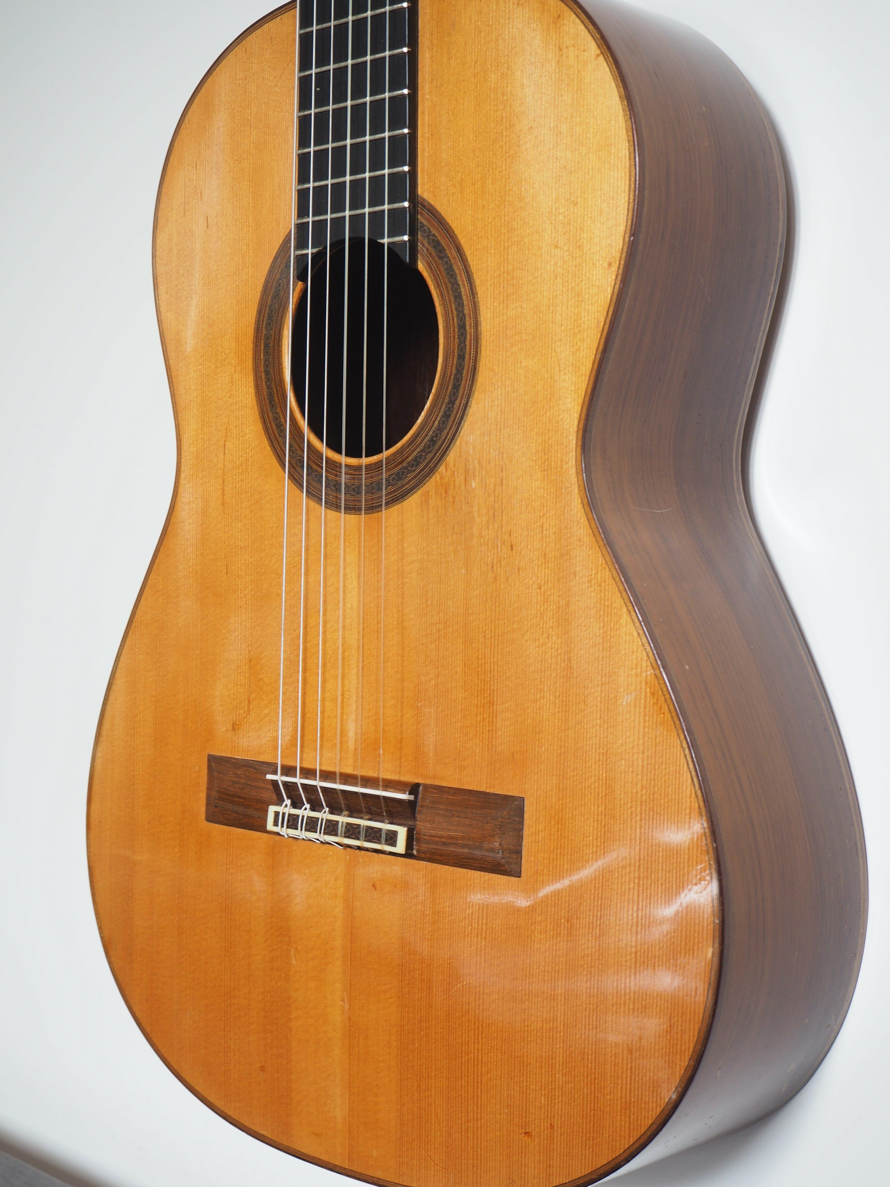 Daniel Friederich guitare classique luthier 162