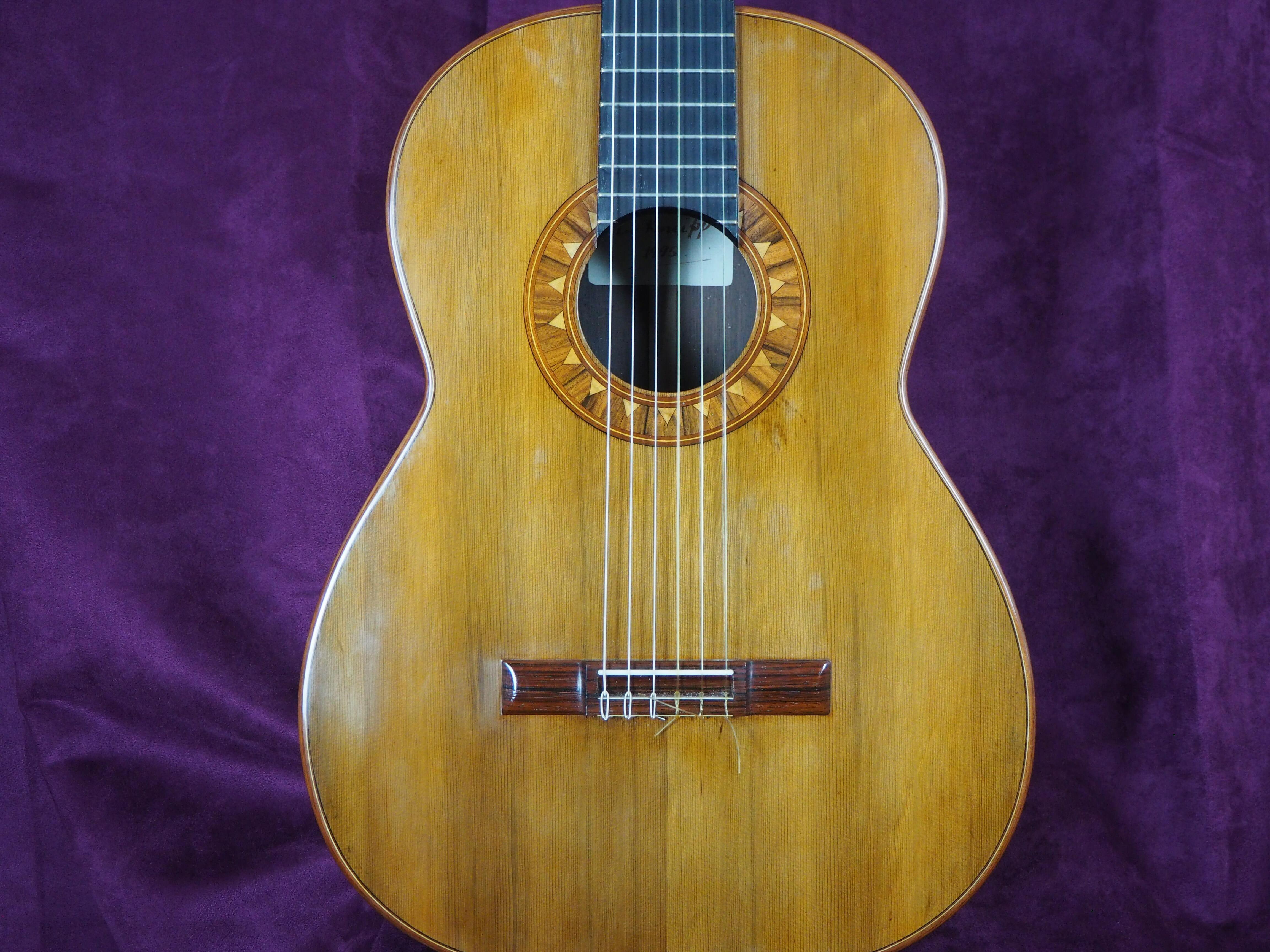 Guitare classique luthier ian Kneipp