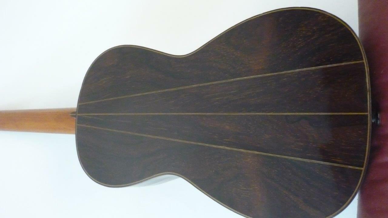 Guitare romantique Panormo louis 1850 dos