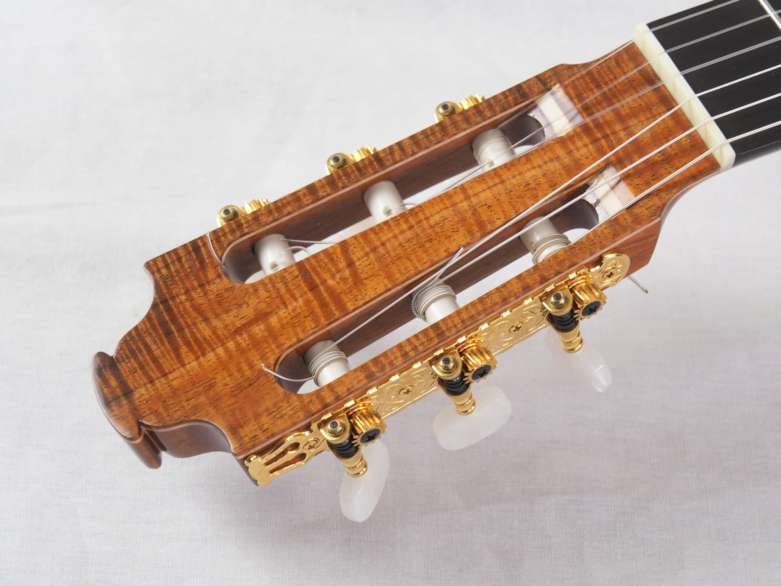 Graham Caldersmith luthier guitare classique No 19CAL116-02