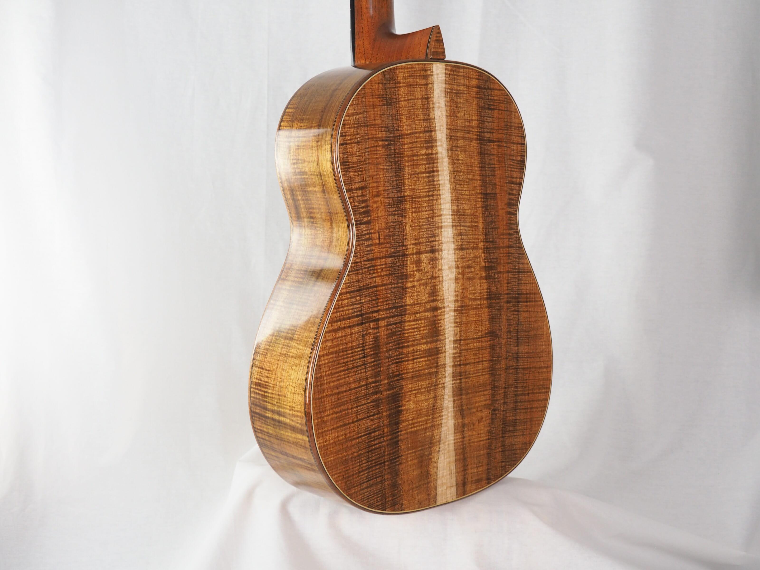 Graham Caldersmith luthier guitare classique No 19CAL113-04