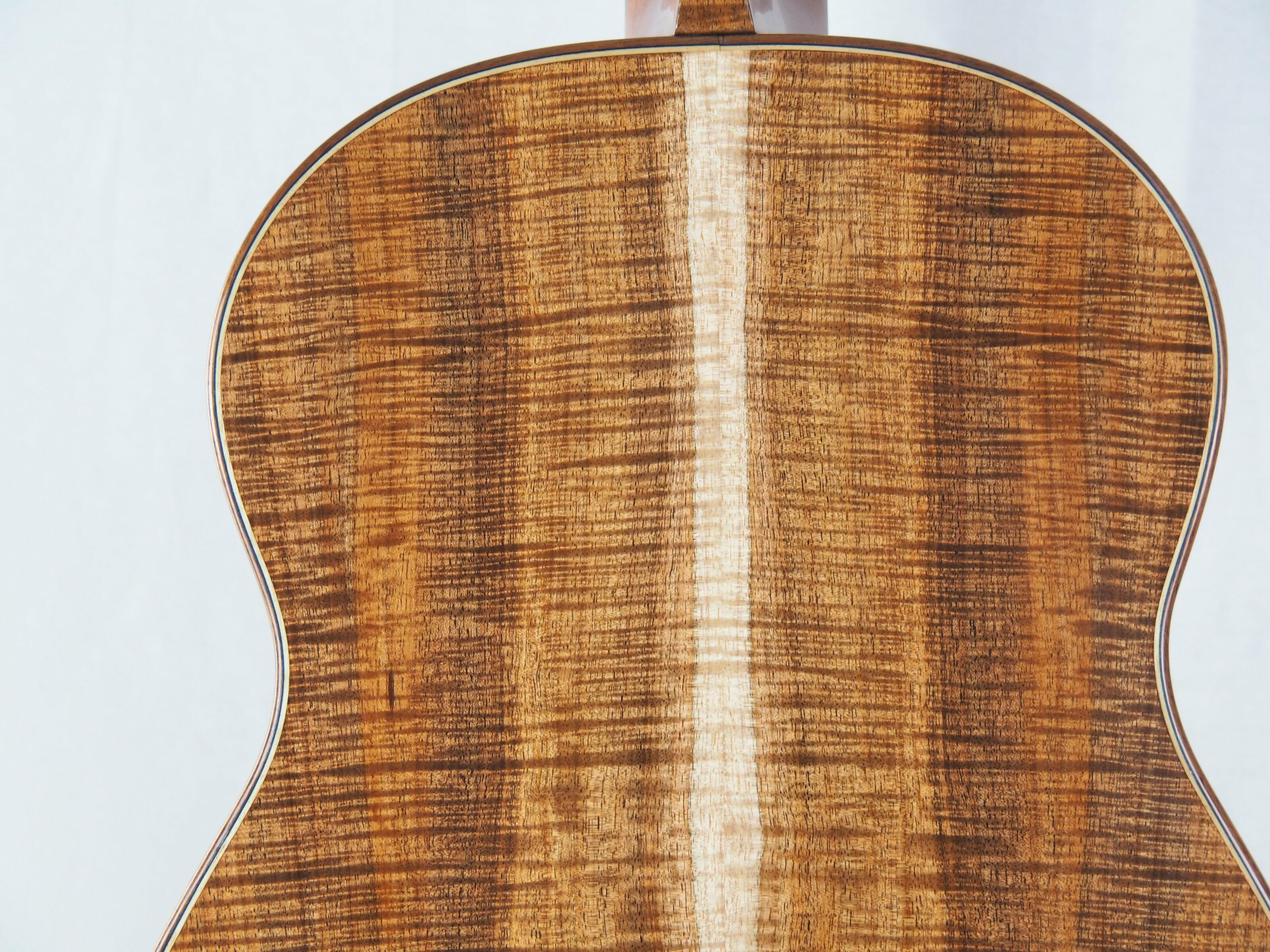 Graham Caldersmith luthier guitare classique No 19CAL113-02