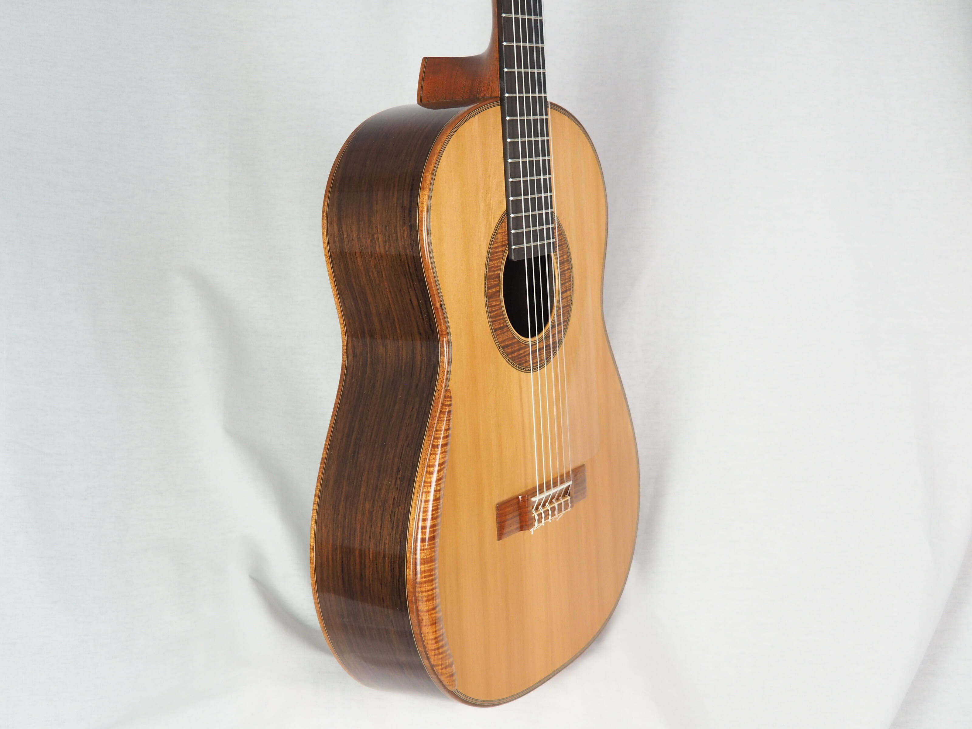 Graham Caldersmith luthier guitare classique 19CAL105-05