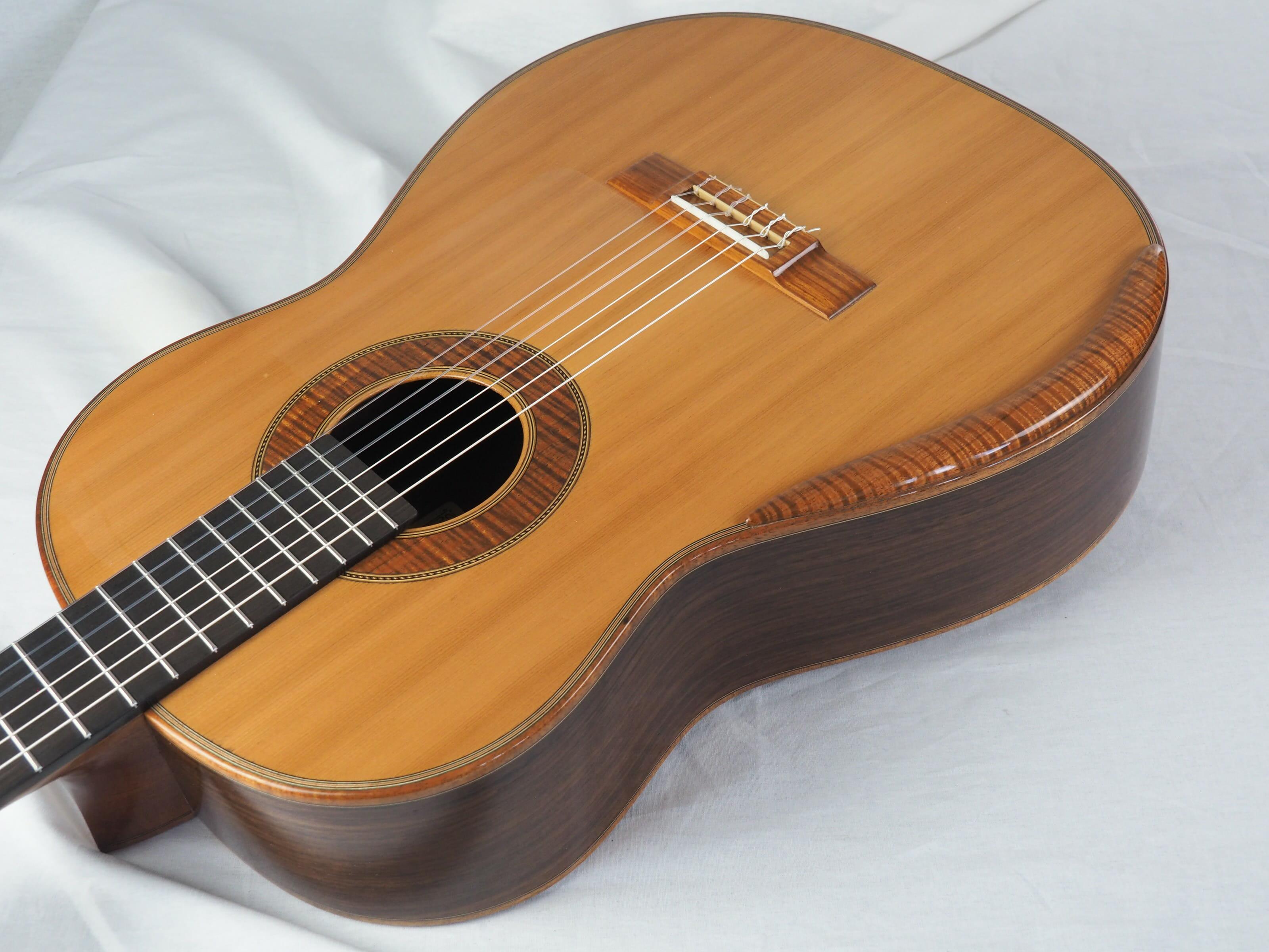 Graham Caldersmith luthier guitare classique 19CAL105-02