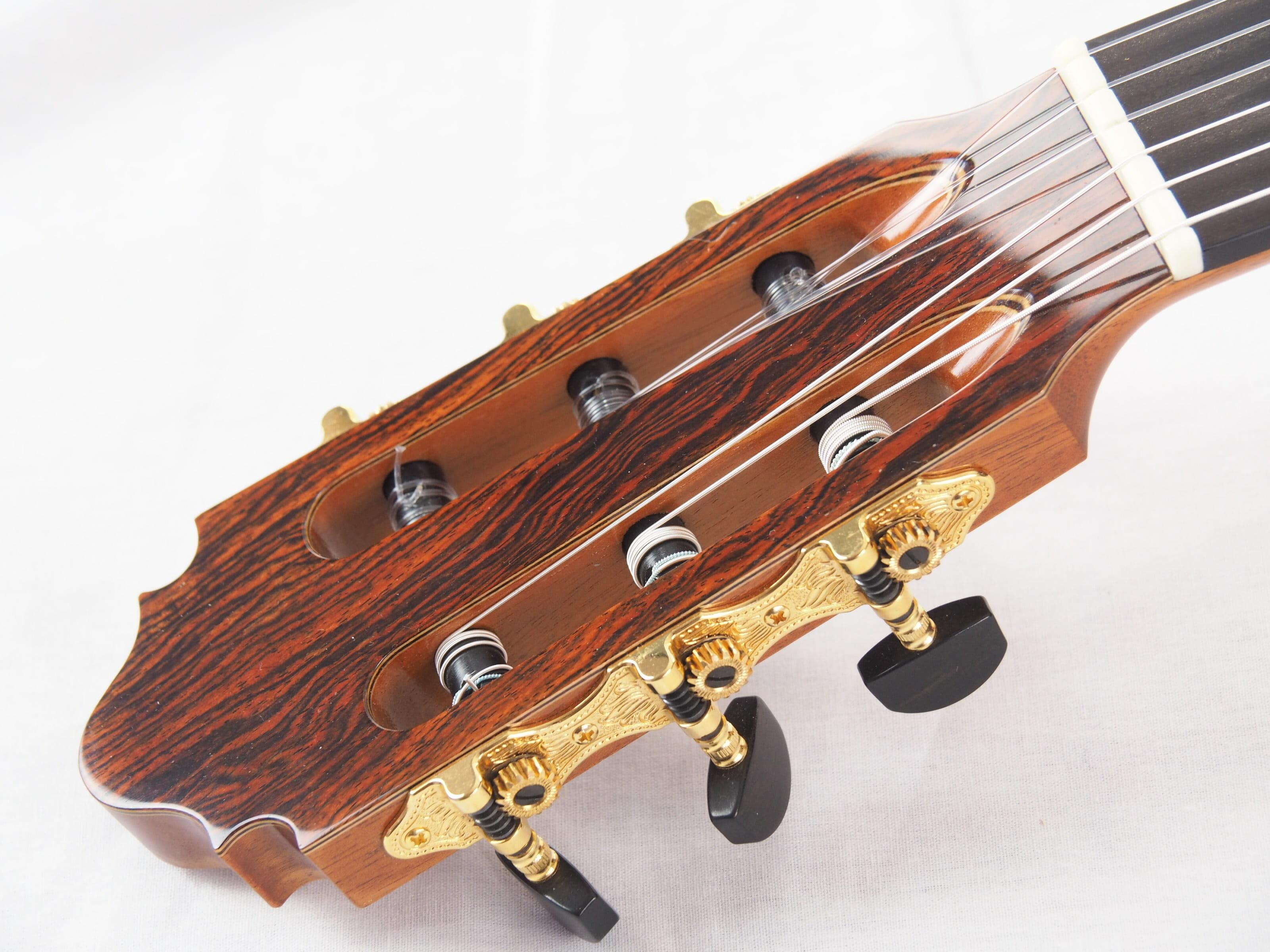 John Price luthier guitare classique No 19PRI348-03