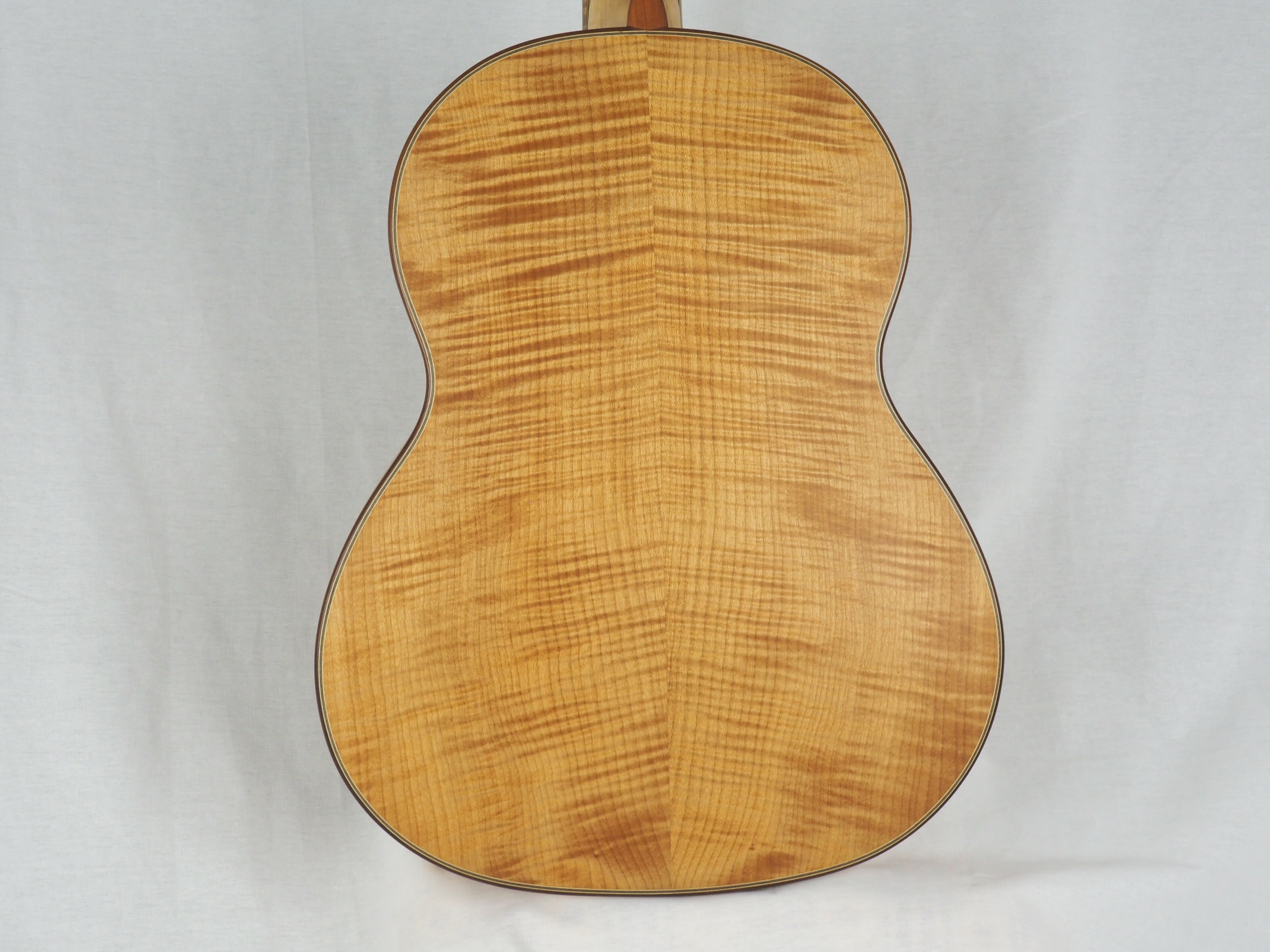 Dieter Hopf Luthier guitare classique Auditorium No 19HP070-03