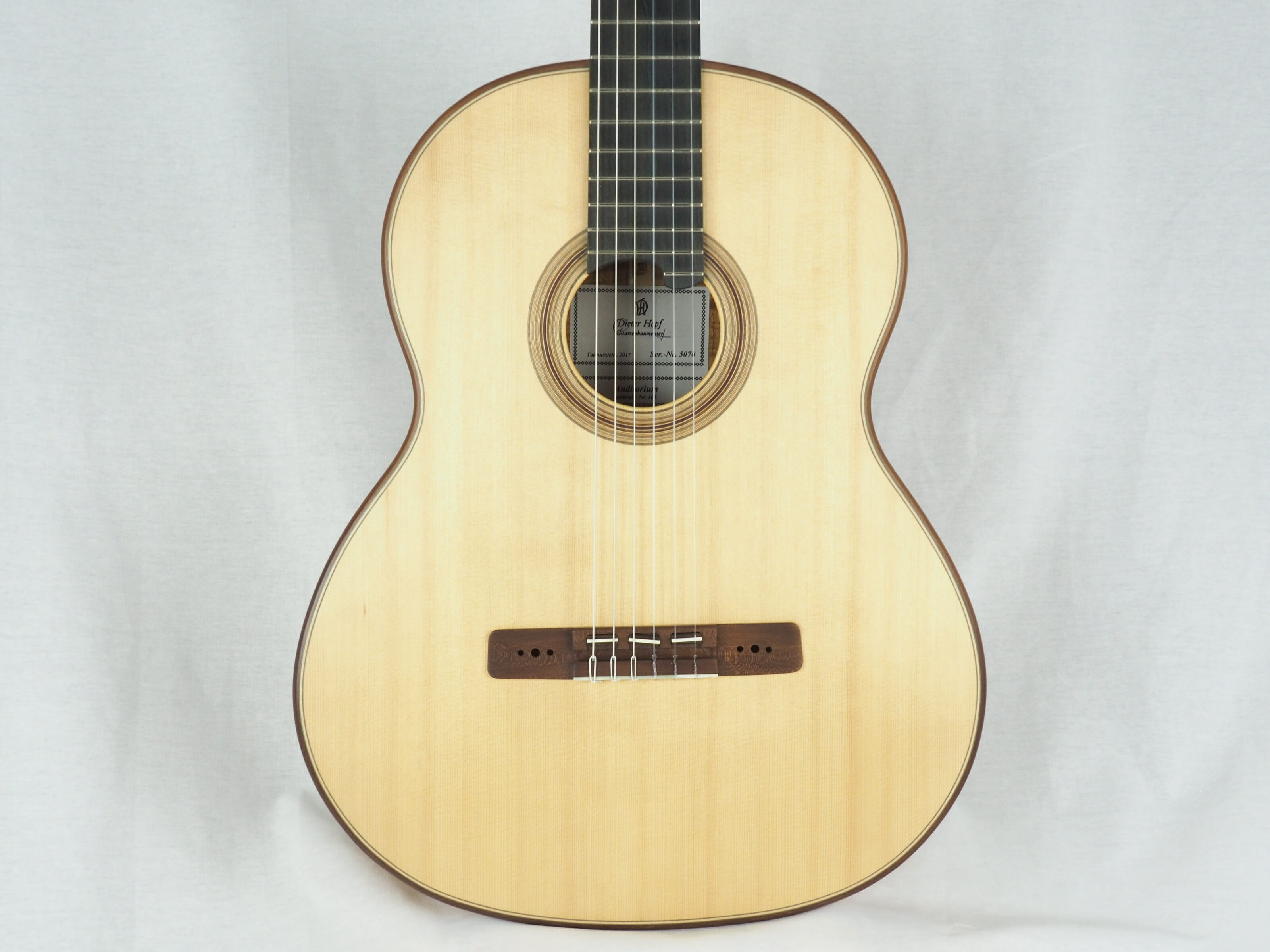 Dieter Hopf Luthier guitare classique Auditorium No 19HP070-09