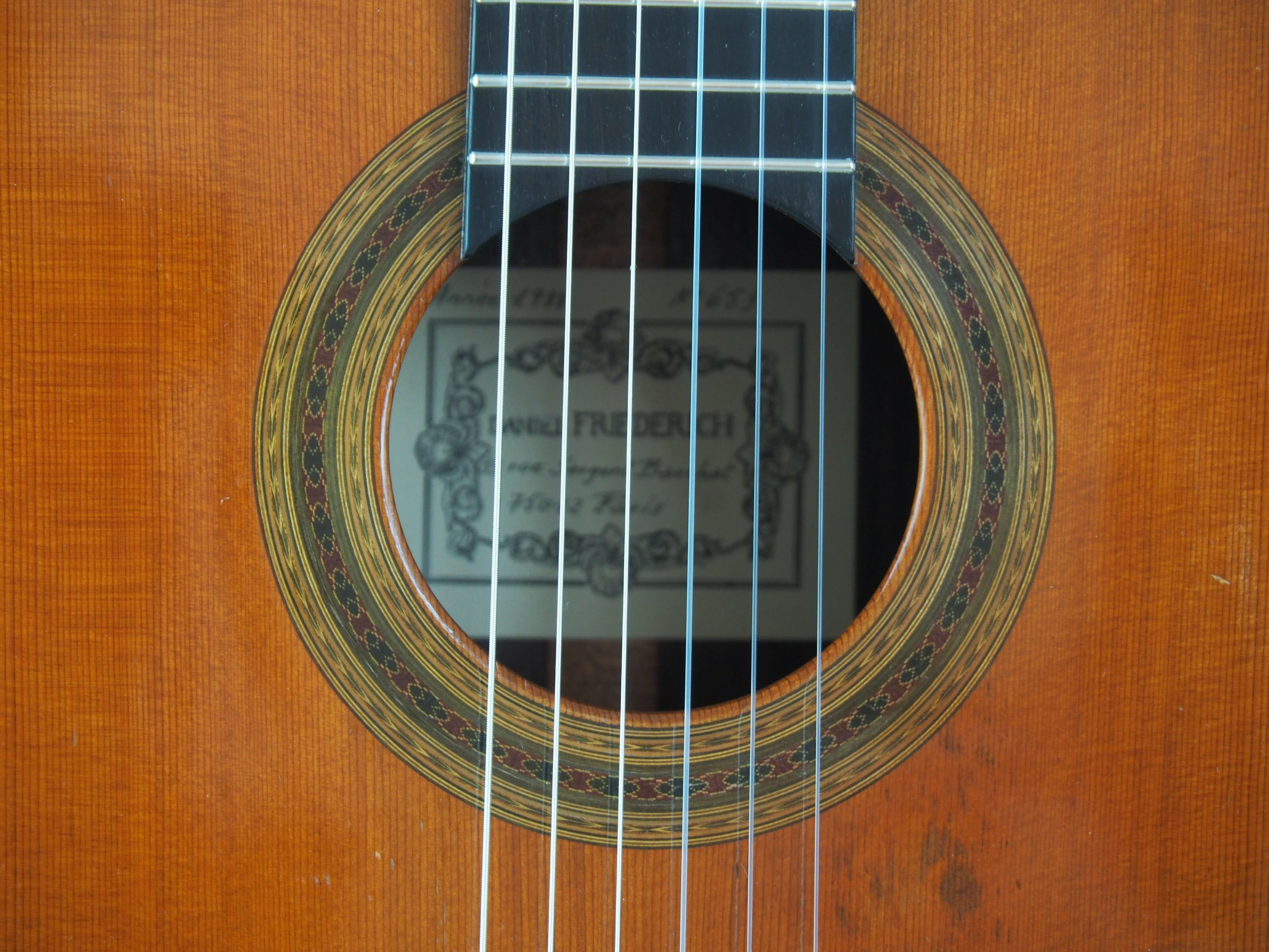 Daniel Friederich luthier guitare classique 19FRI653-05