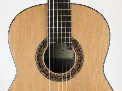 Kim Lissarrague luthier www.guitare-classique-concert.fr No 335 19LIS335-10