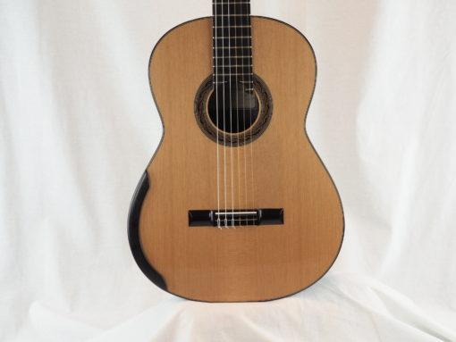 Kim Lissarrague luthier www.guitare-classique-concert.fr No 335 19LIS335-01
