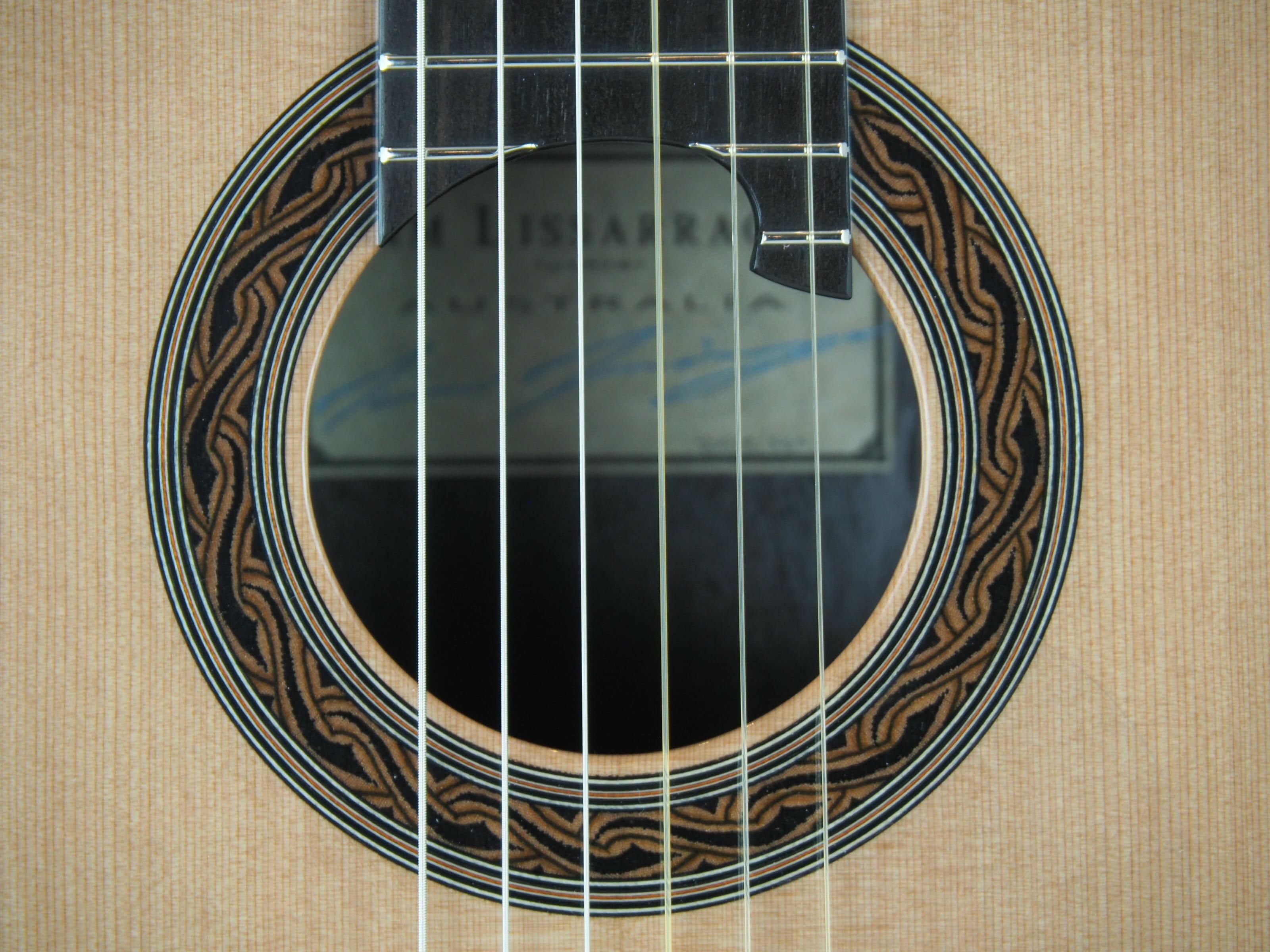Kim Lissarrague luthier www.guitare-classique-concert.fr No 335 19LIS335-09