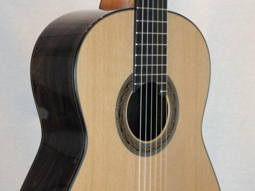Kim Lissarrague luthier www.guitare-classique-concert.fr No 335 19LIS335-06