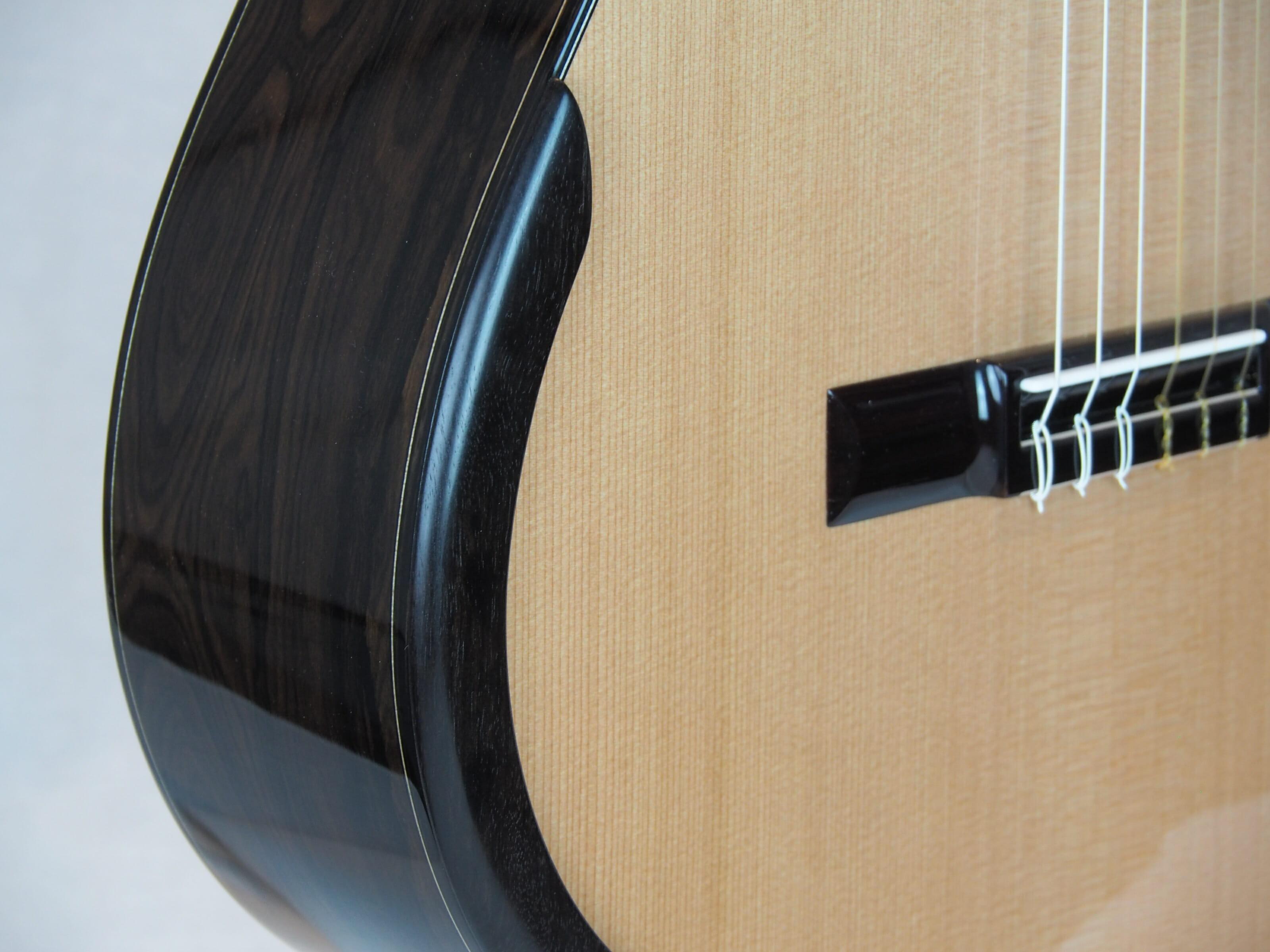 Kim Lissarrague luthier www.guitare-classique-concert.fr No 335 19LIS335-05