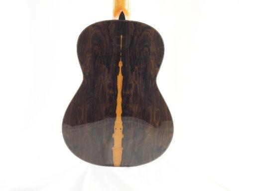 Kim Lissarrague luthier www.guitare-classique-concert.fr No 335 19LIS335-04