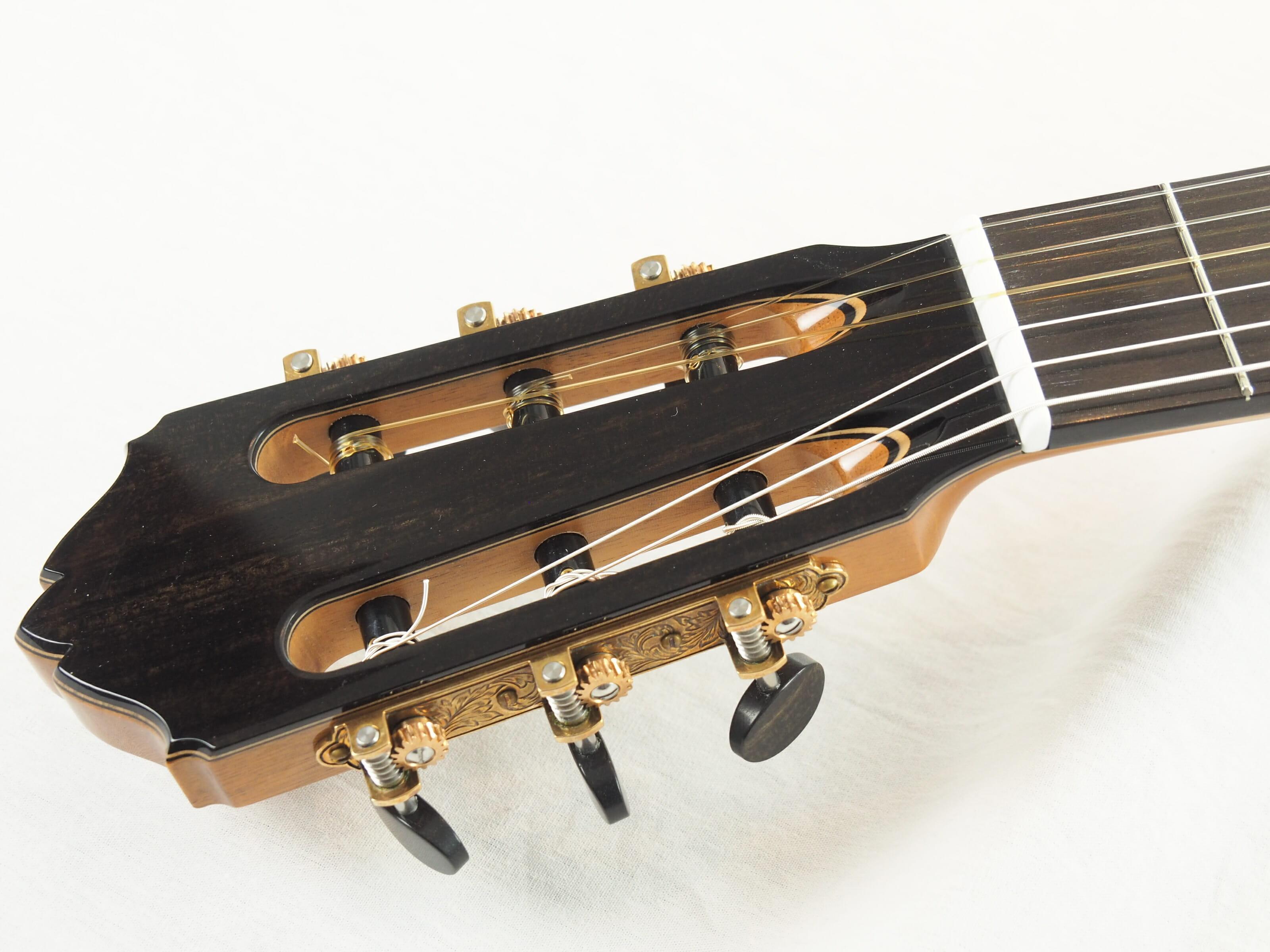 Kim Lissarrague luthier www.guitare-classique-concert.fr No 335 19LIS335-02