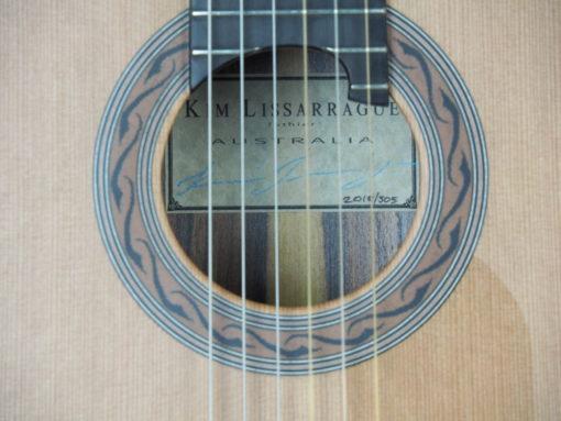 Guitare classique luthier Kim Lissarrague www.guitare-classique-concert.fr