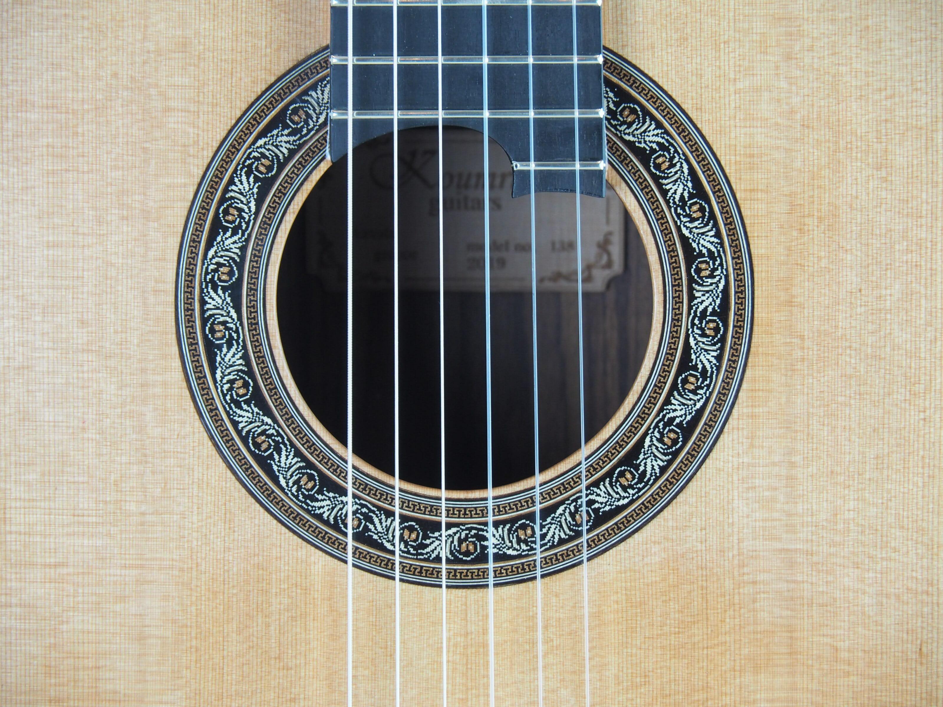 Charalampos Koumridis luthier www.guitare-classique-concert.fr No 138 19KOU138-07