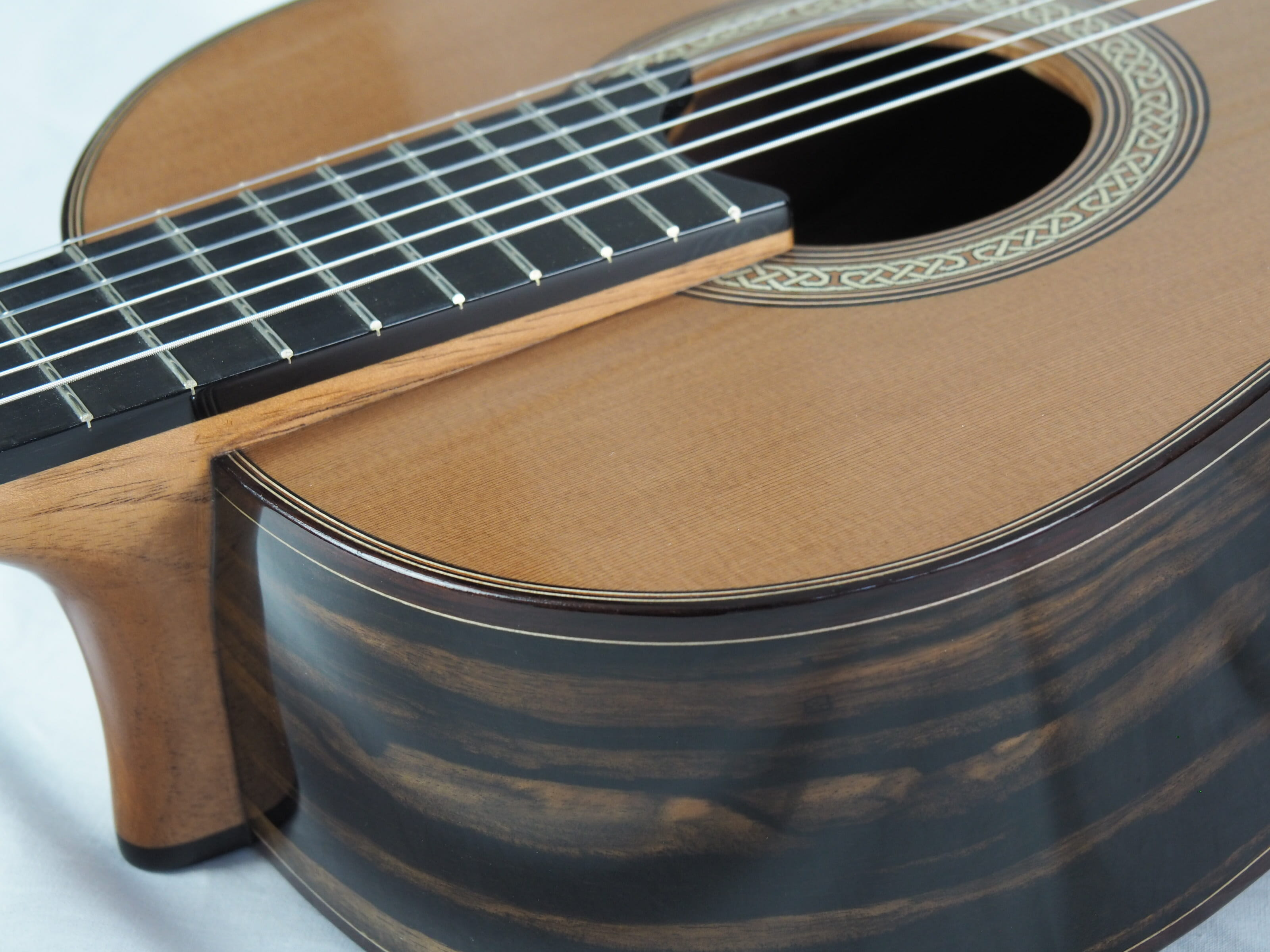 Michael O'Leary luthier guitare classique 19OLE237-02