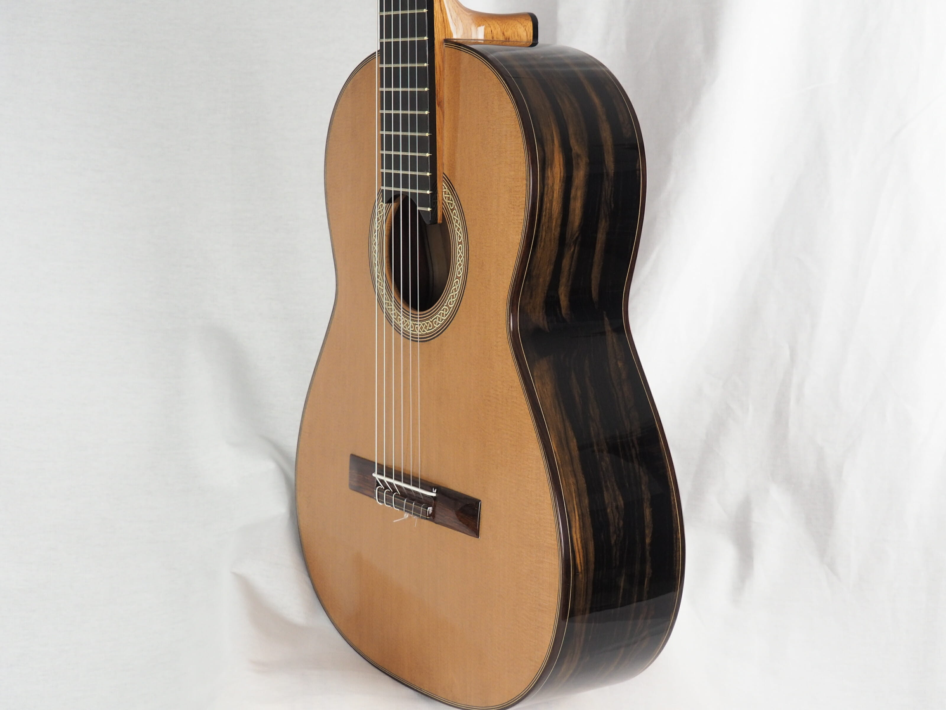Michael O'Leary luthier guitare classique 19OLE237-08Michael O'Leary luthier guitare classique 19OLE237-08