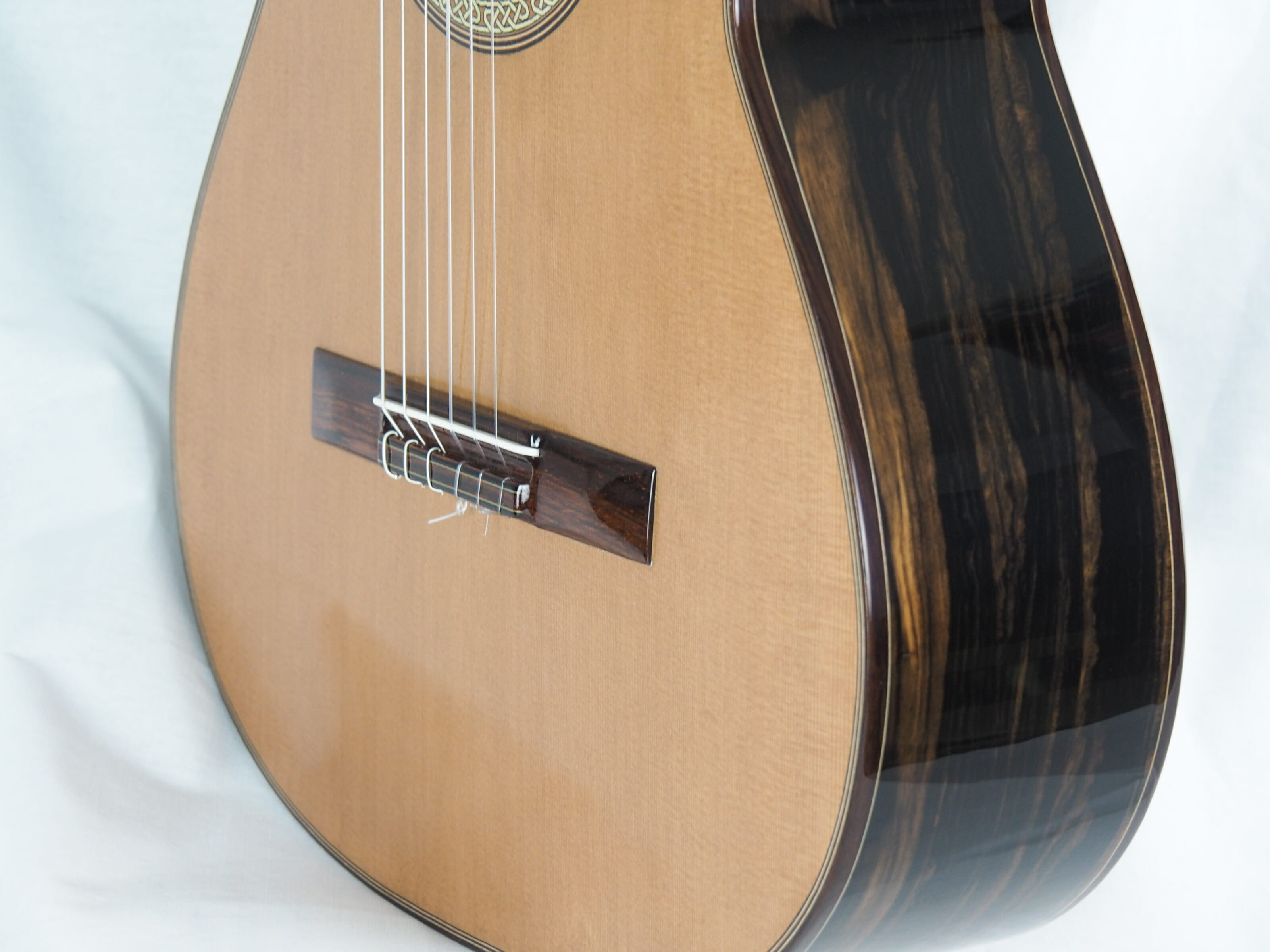 Michael O'Leary luthier guitare classique 19OLE237-06