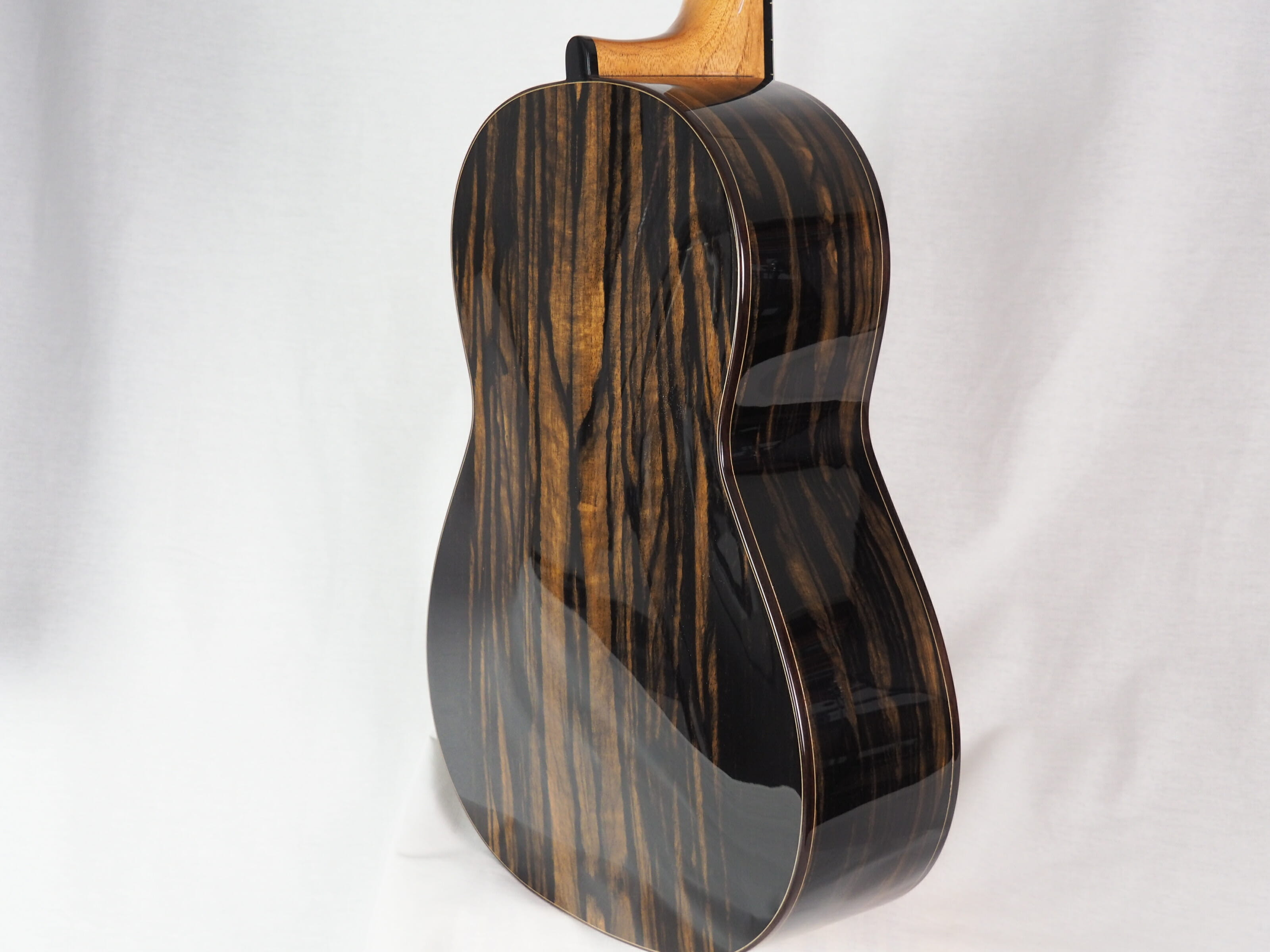 Michael O'Leary luthier guitare classique 19OLE237-04