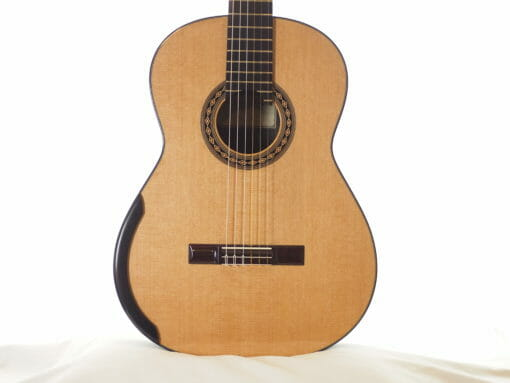 Guitare classique du luthier Kim Lissarrague