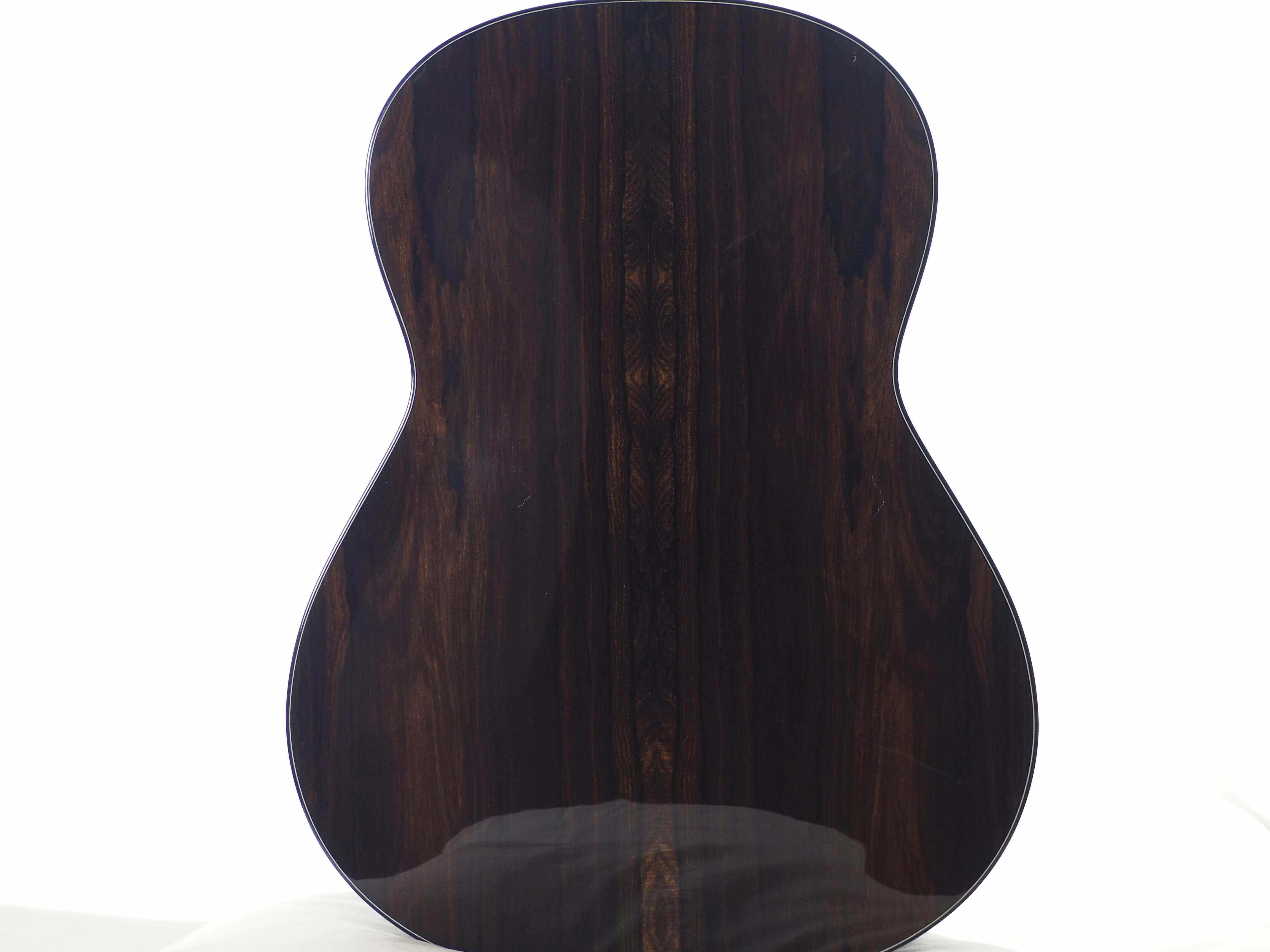 Guitare classique luthier Kim Lissarrague