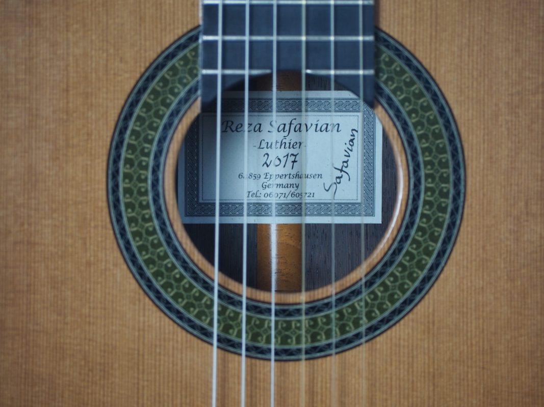 guitare classique du luthier Reza Safavian 17SAF001-01