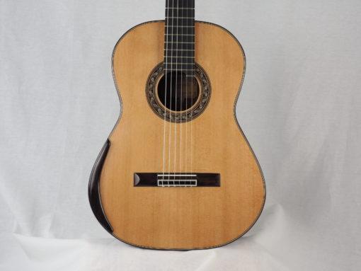 Charalampos Koumridis luthier Guitare classique www.guitare-classique-concert.fr 19KOU120-01