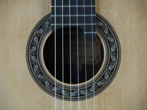 Charalampos Koumridis luthier Guitare classique www.guitare-classique-concert.fr 19KOU120-04