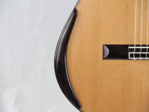 Charalampos Koumridis luthier Guitare classique www.guitare-classique-concert.fr 19KOU120-05