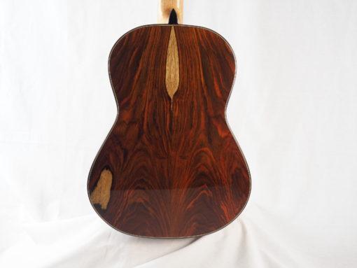Charalampos Koumridis luthier Guitare classique www.guitare-classique-concert.fr 19KOU120-07