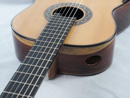 Charalampos Koumridis luthier Guitare classique www.guitare-classique-concert.fr 19KOU120-08