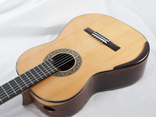 Charalampos Koumridis luthier Guitare classique www.guitare-classique-concert.fr 19KOU120-09