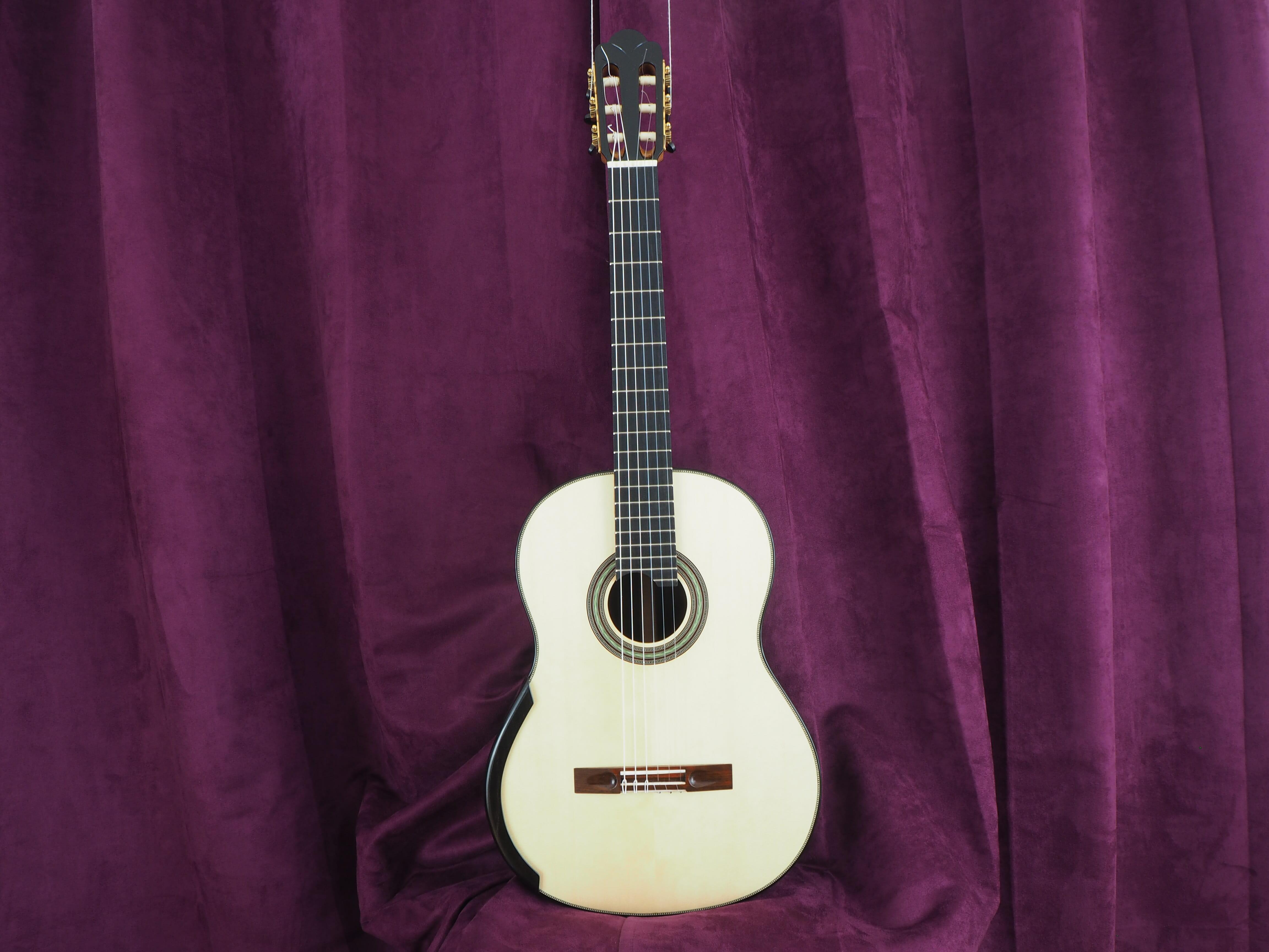 luthier stanislaw Partika guitare classique