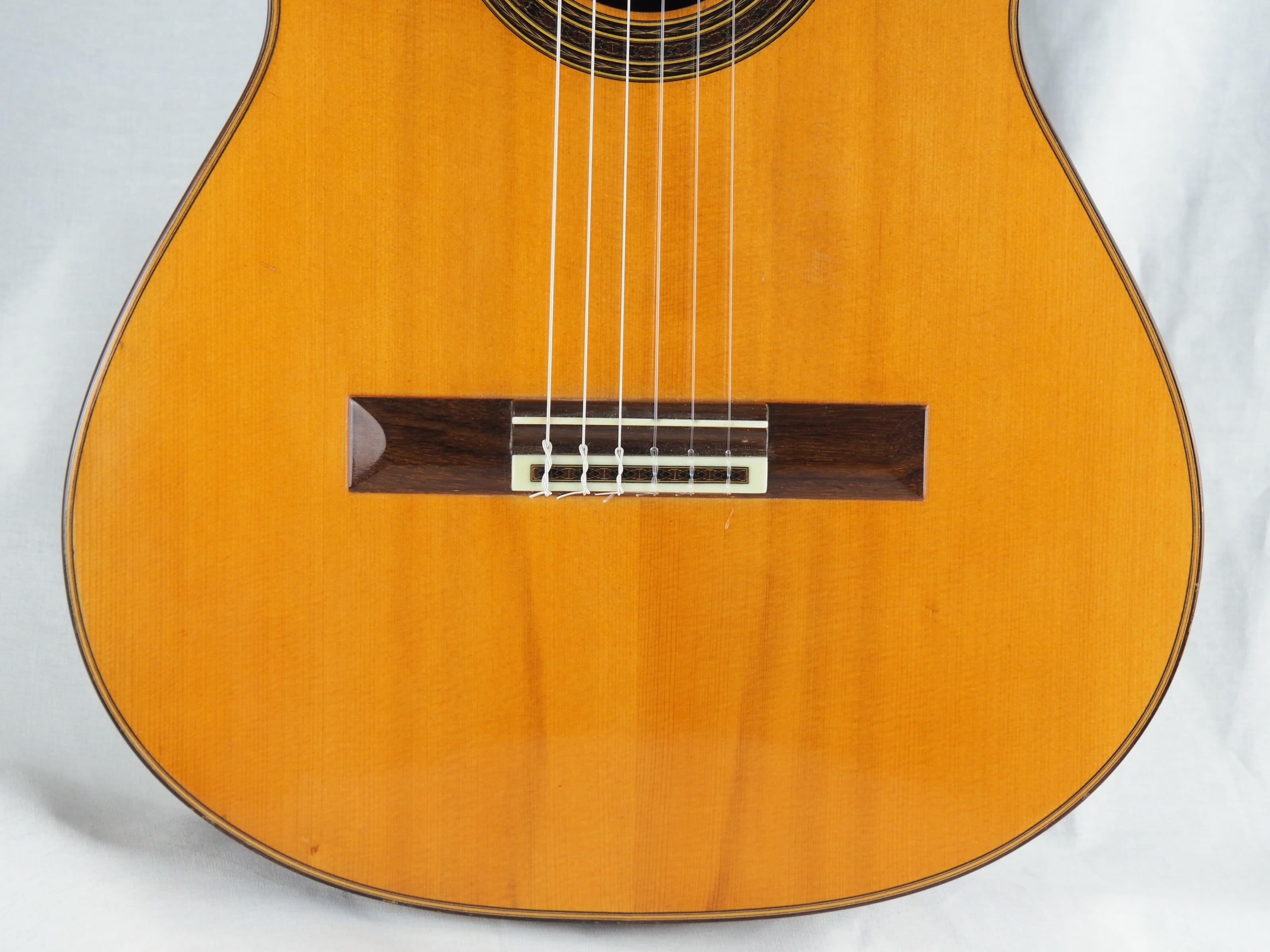 Daniel Friederich luthier guitare classique No 19FRI354-07