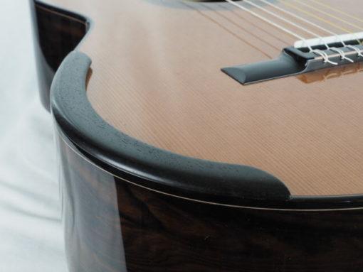 Kim Lissarrague luthier guitare classique n°301 18LIS301-01 pour le site www.guitare-classique-concert.fr guitare à vendre