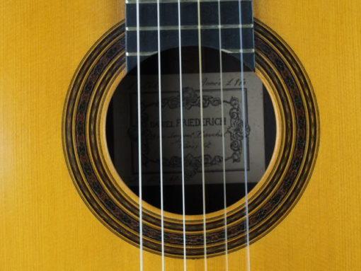 Daniel Friederich luthier guitare classique n° 266 rosace 18FRI266-10