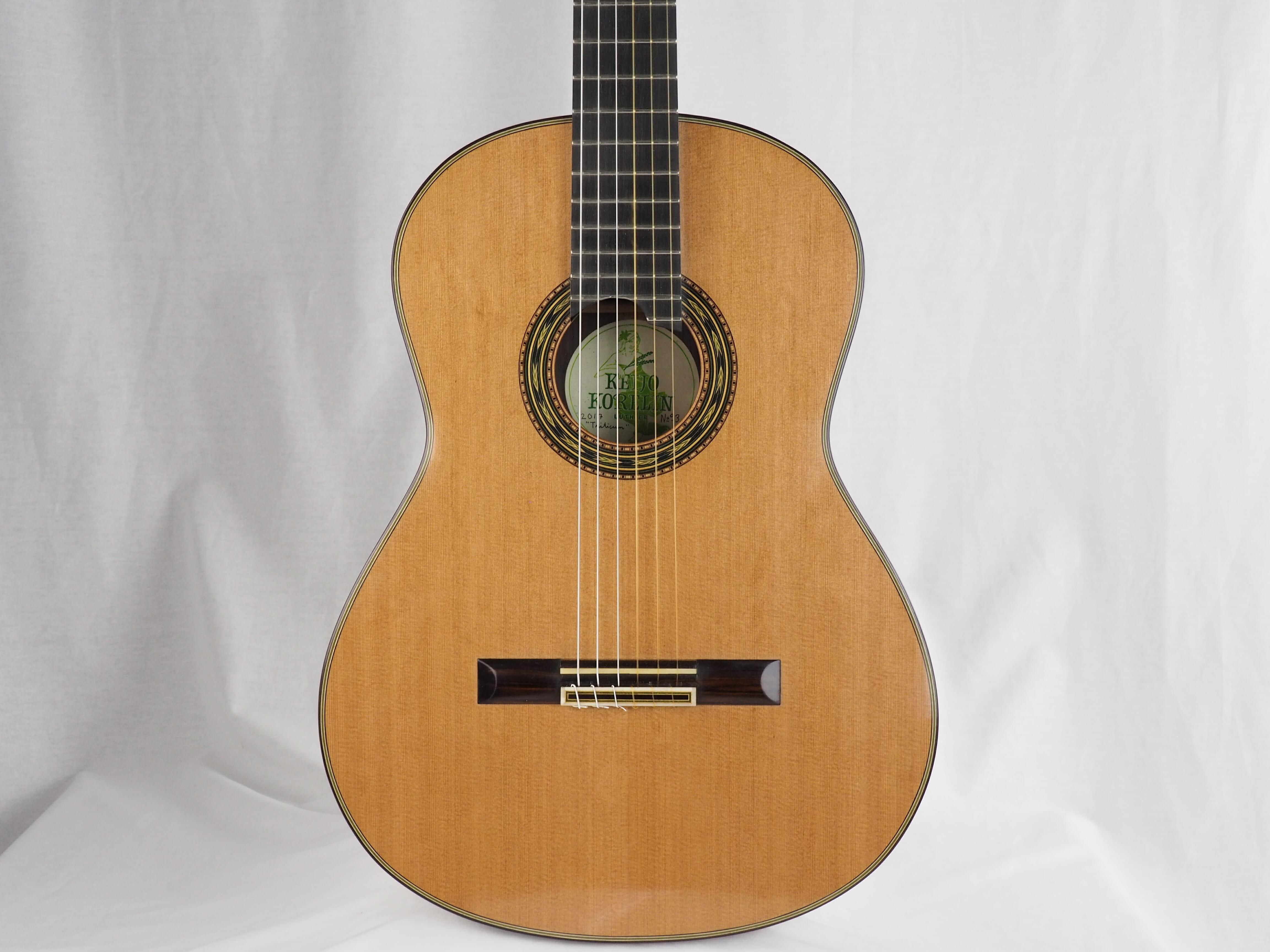 Luthier Keijo Korelin guitare classique double-table 17KOR093-01