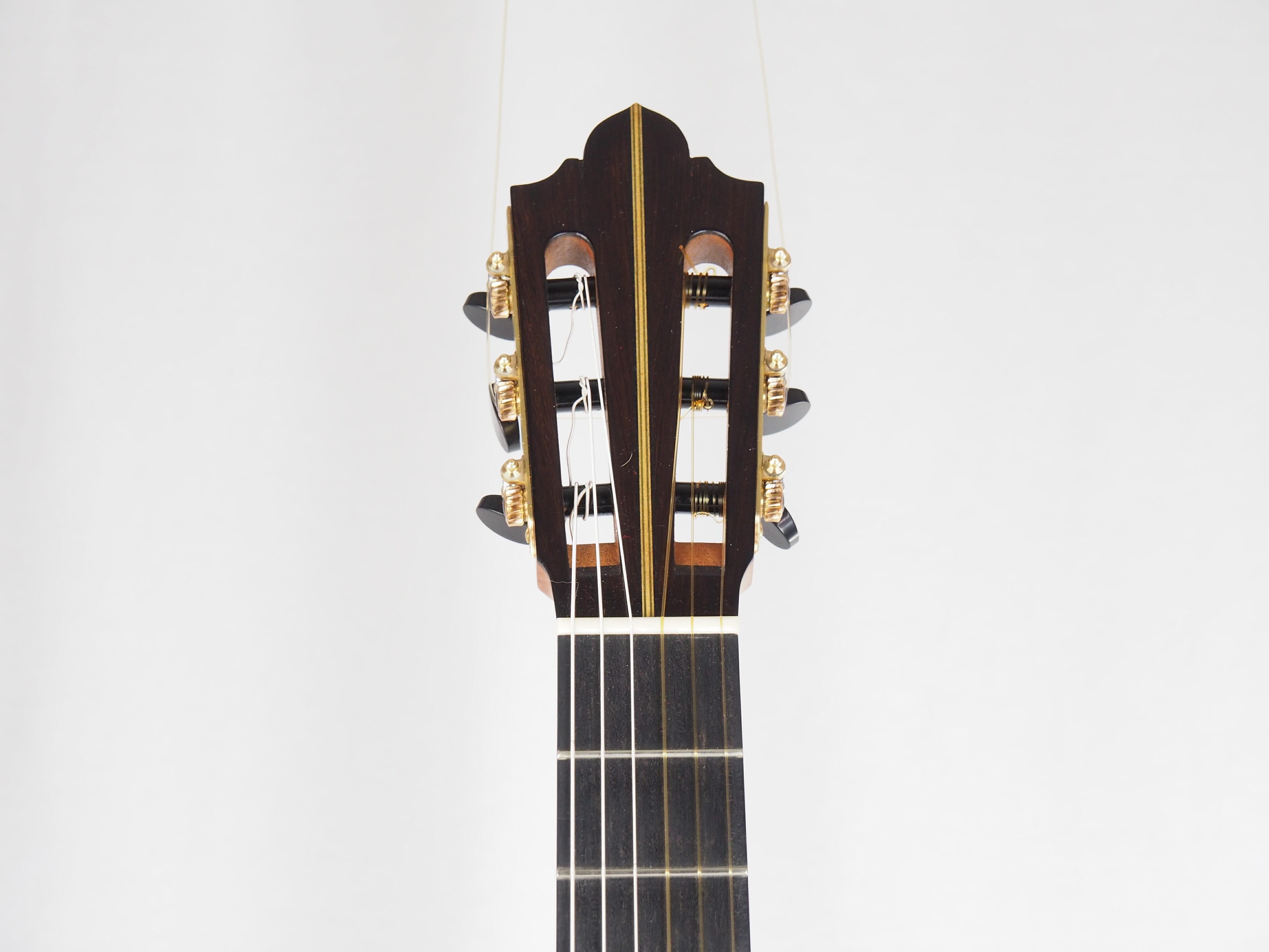 Luthier Keijo Korelin guitare classique double-table 17KOR093-03