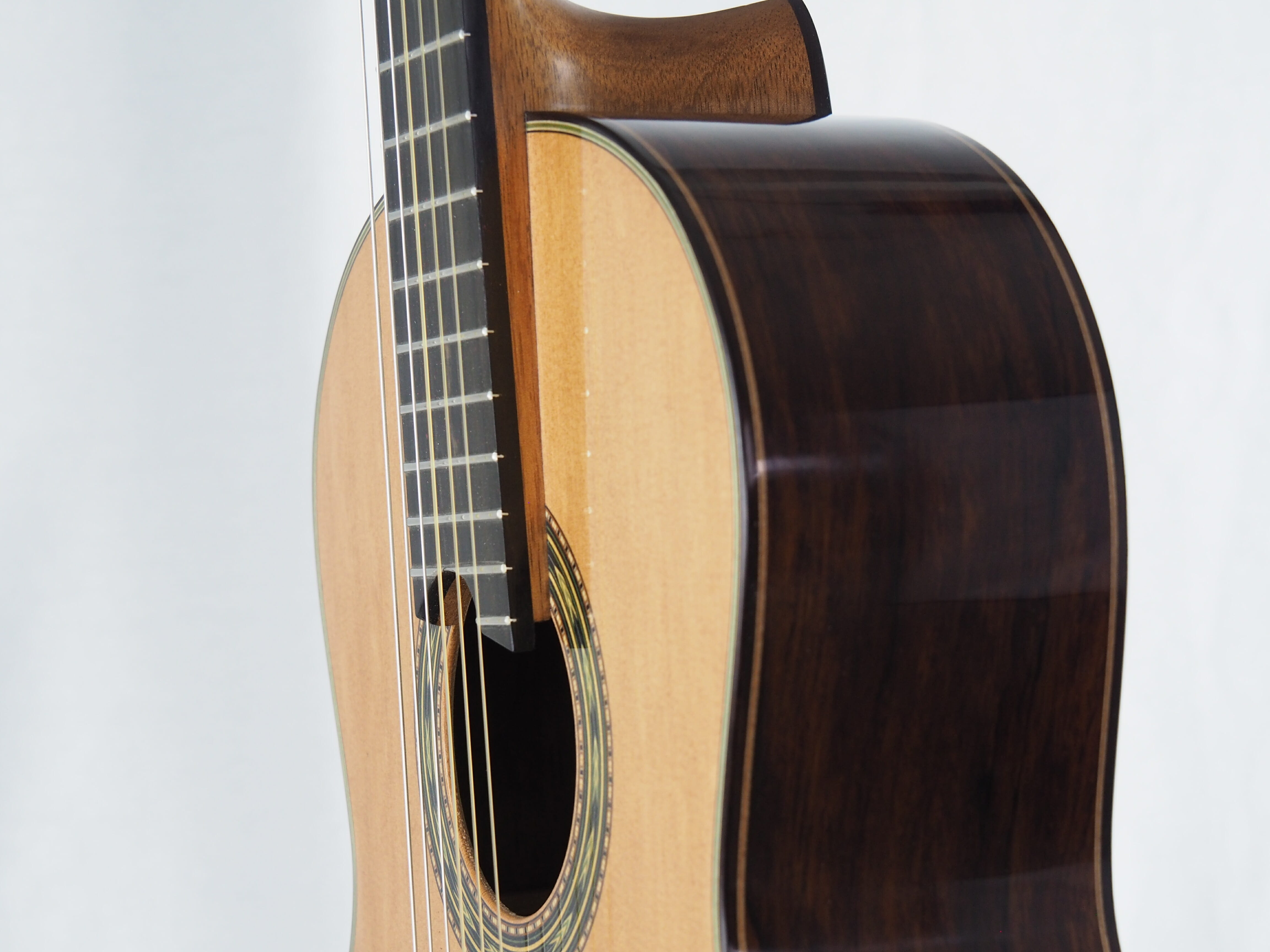 Luthier Keijo Korelin guitare classique double-table 17KOR093-08