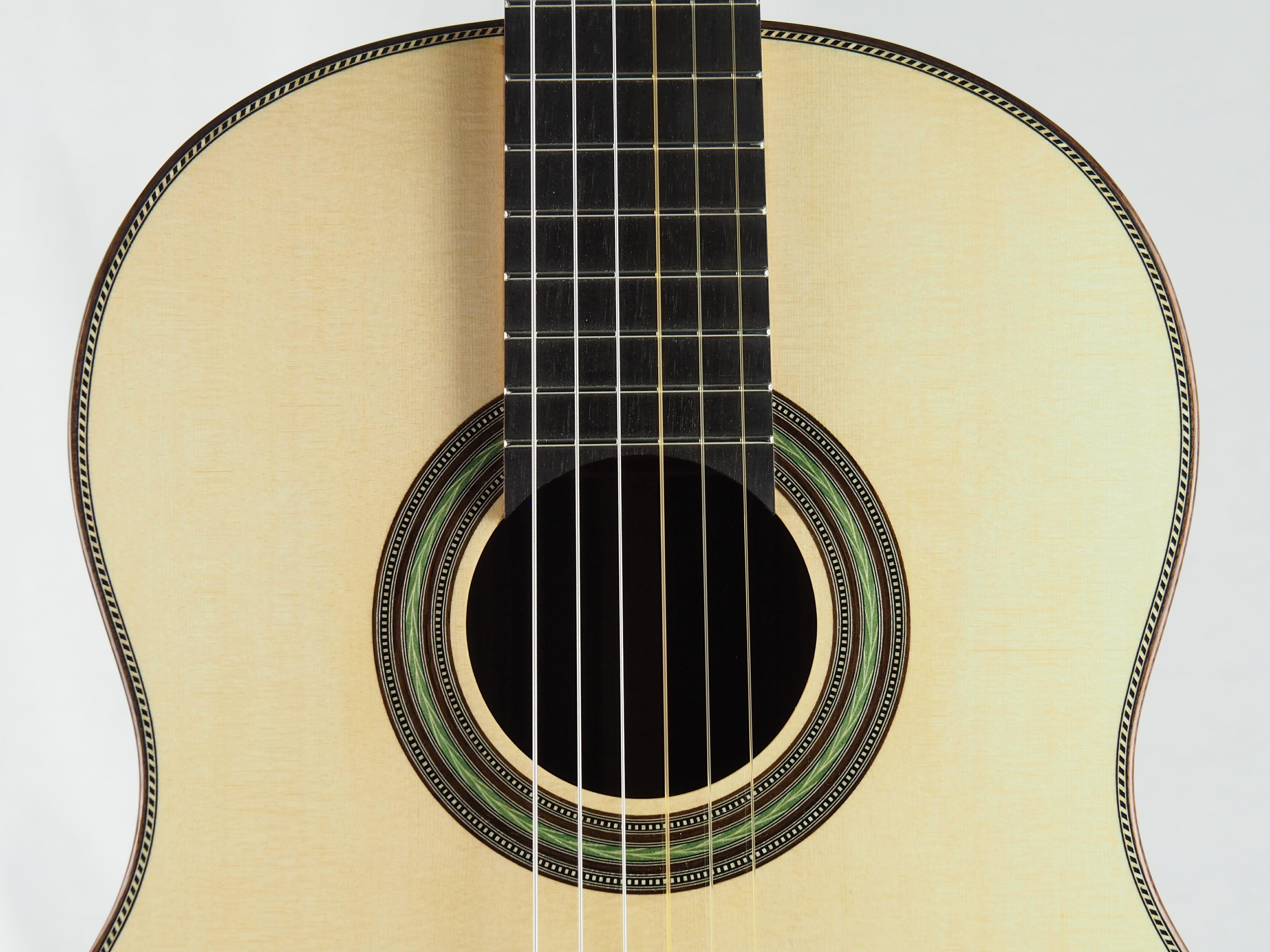 Stanislaw Partyka guitare classique de luthier barrage lattice