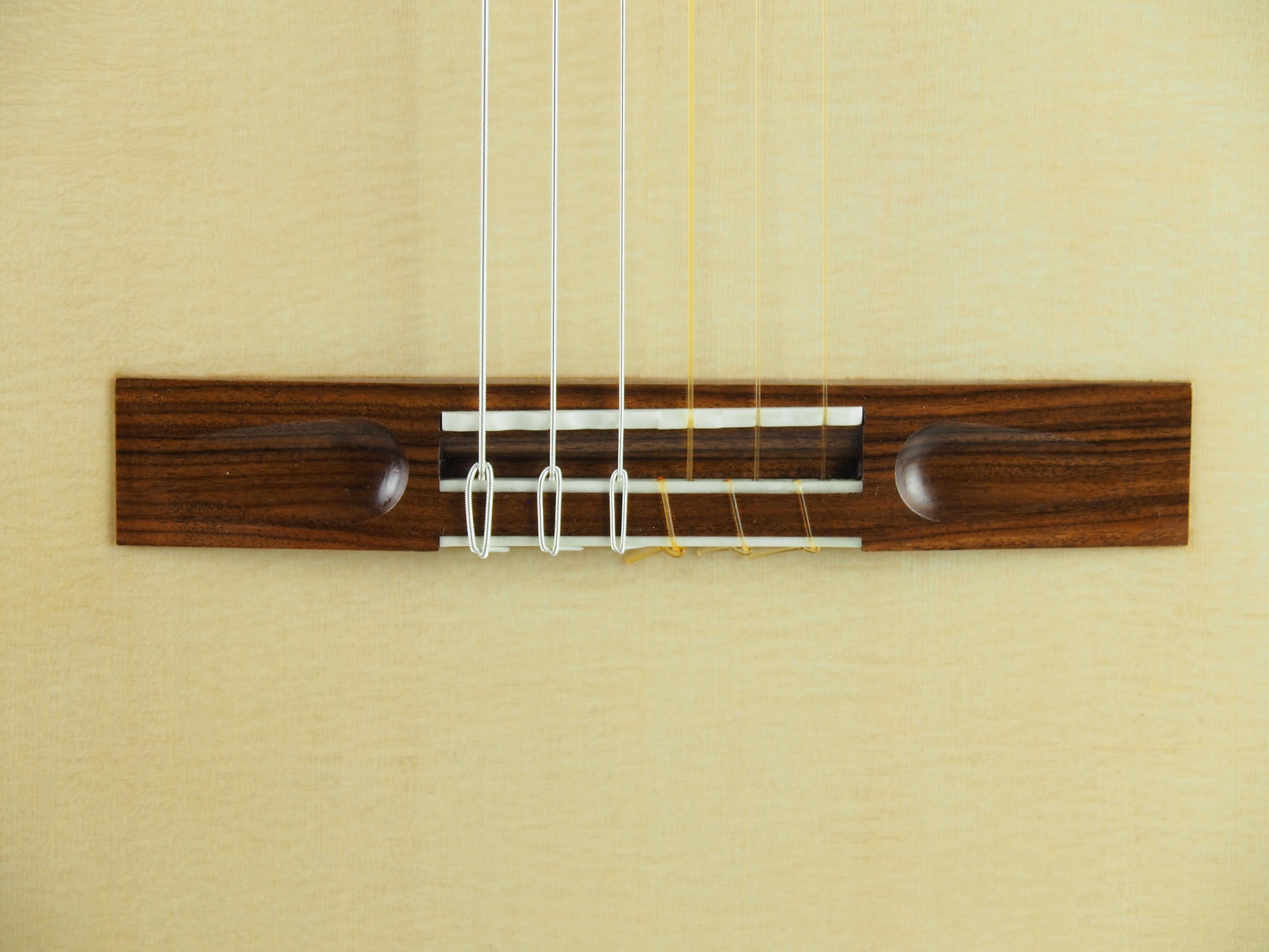 Stanislaw Partyka guitare classique de luthier table lattice