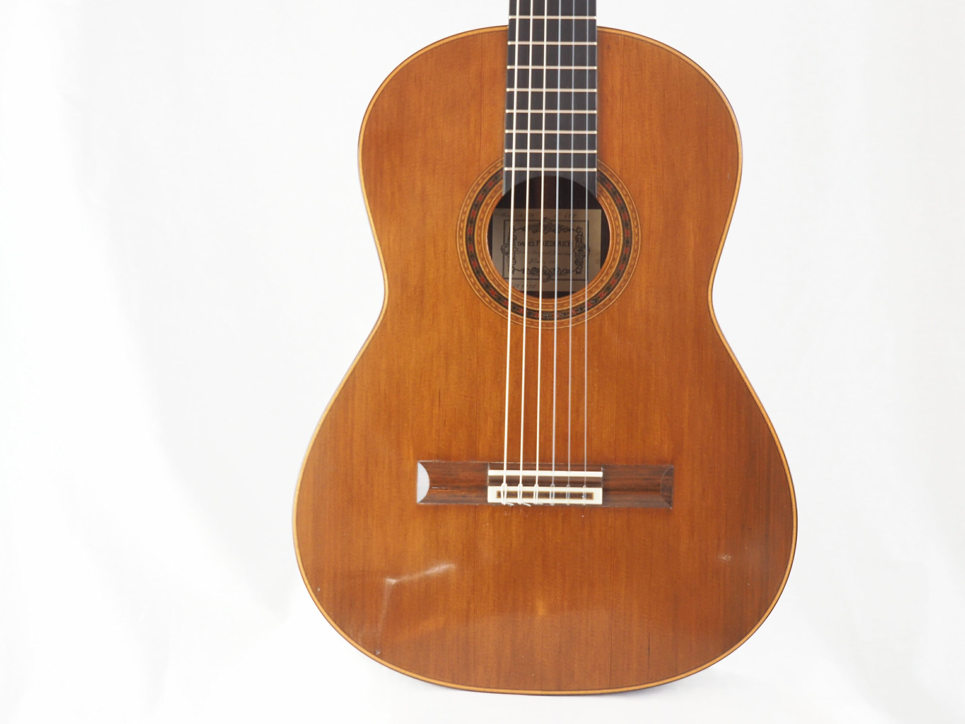 Daniel Friederich luthier guitare classique No 19FRI479-09