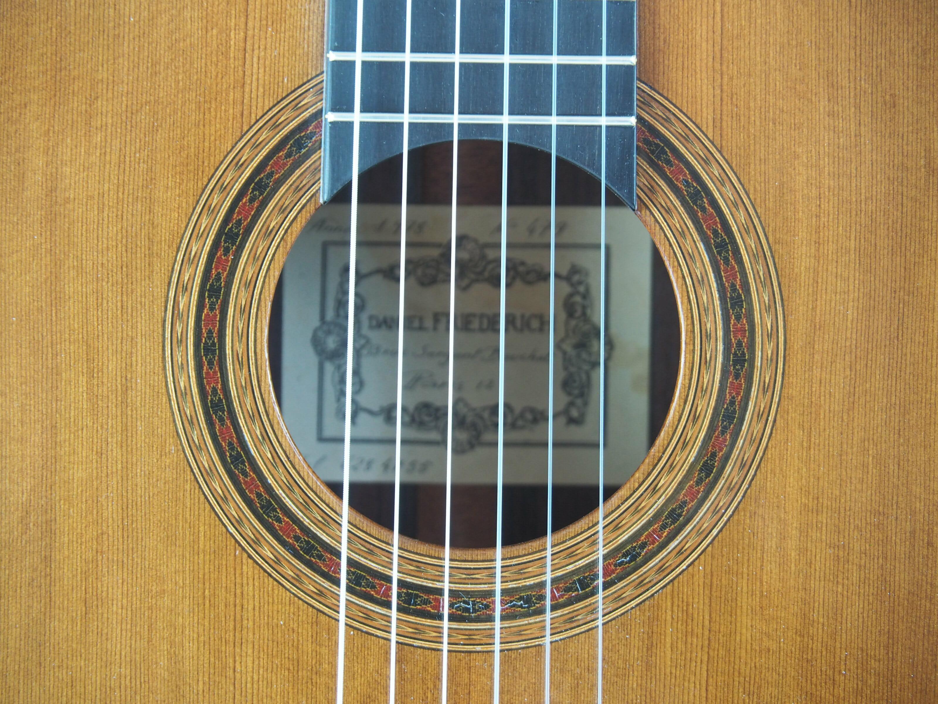 Daniel Friederich luthier guitare classique No 19FRI479-07