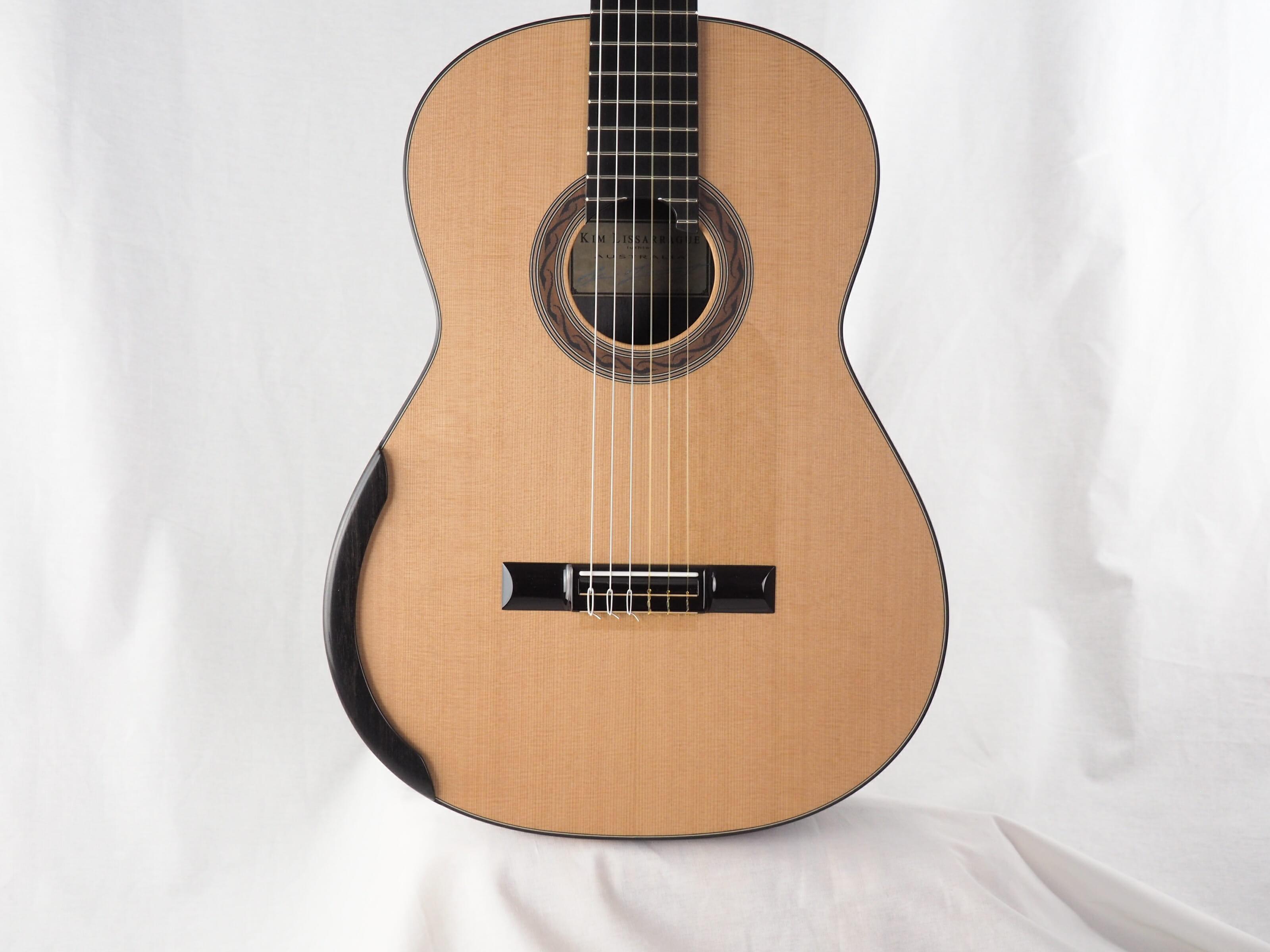 Kim Lissarrague luthier guitare classique No 19LIS328-11