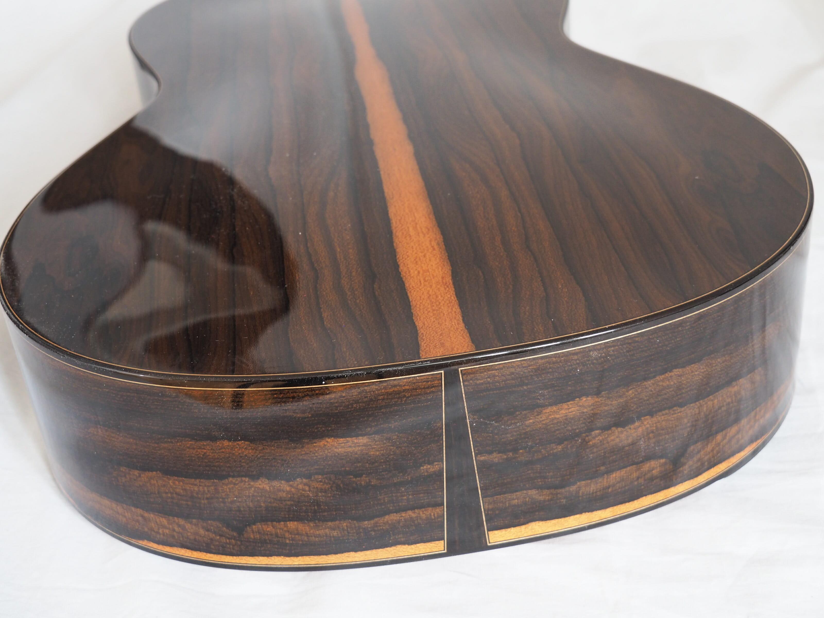 Kim Lissarrague luthier guitare classique No 19LIS328-02