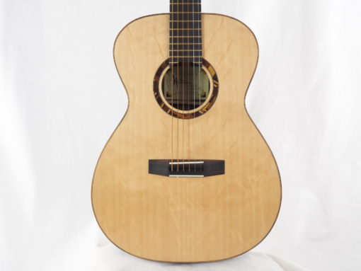 Kevin Muiderman luthier guitare acoustique No 19MUI223-10