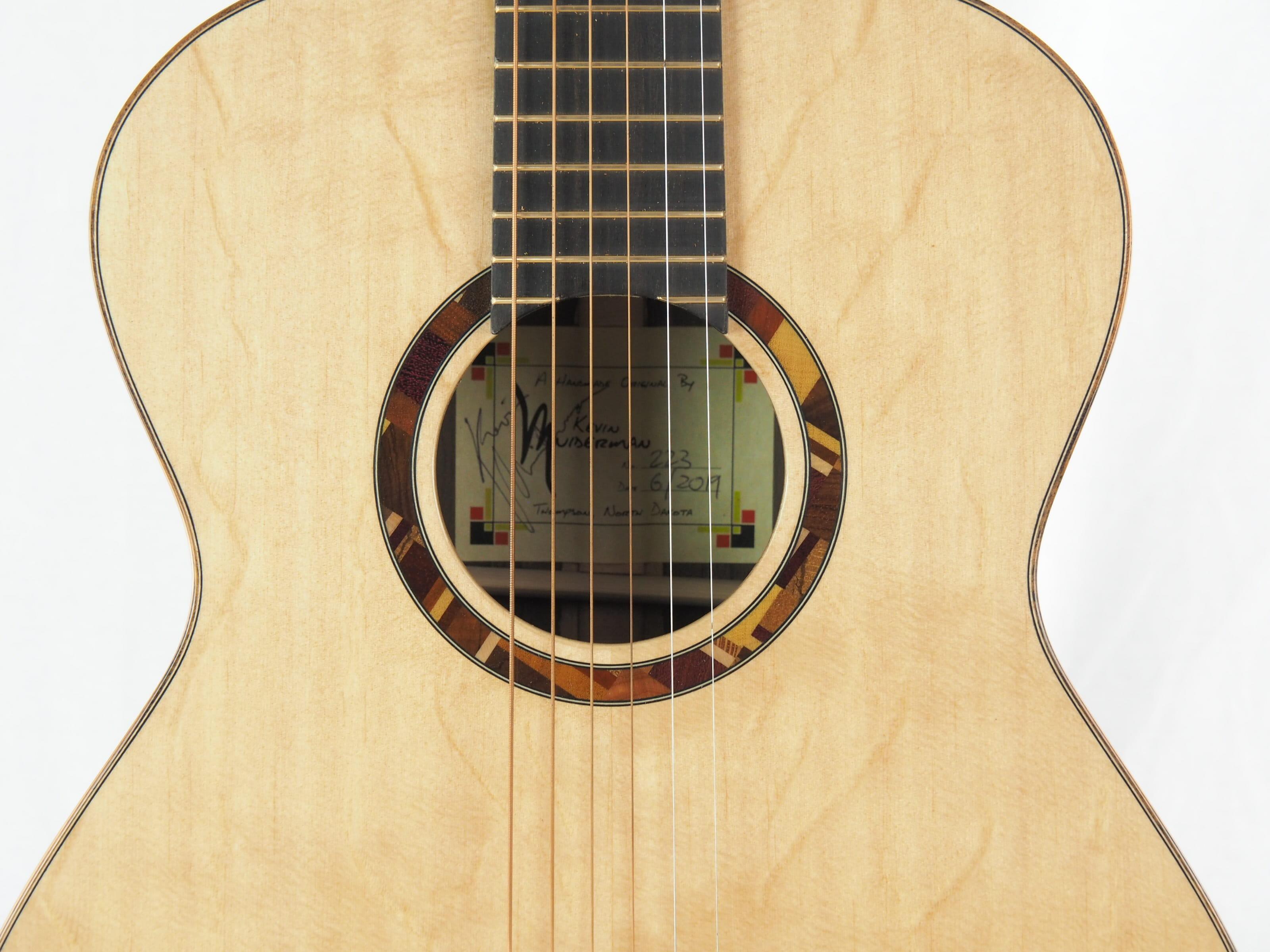 Kevin Muiderman luthier guitare acoustique No 19MUI223-09